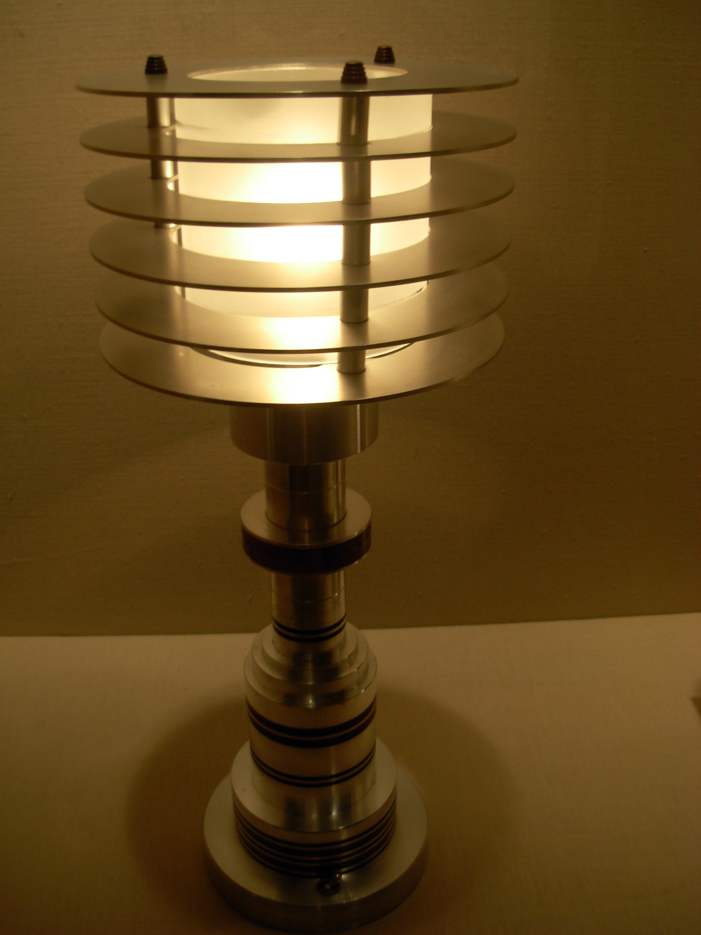 Filecarnegie museum of art lamp 2g wikimedia commons filecarnegie museum of art lamp 2g arubaitofo Choice Image