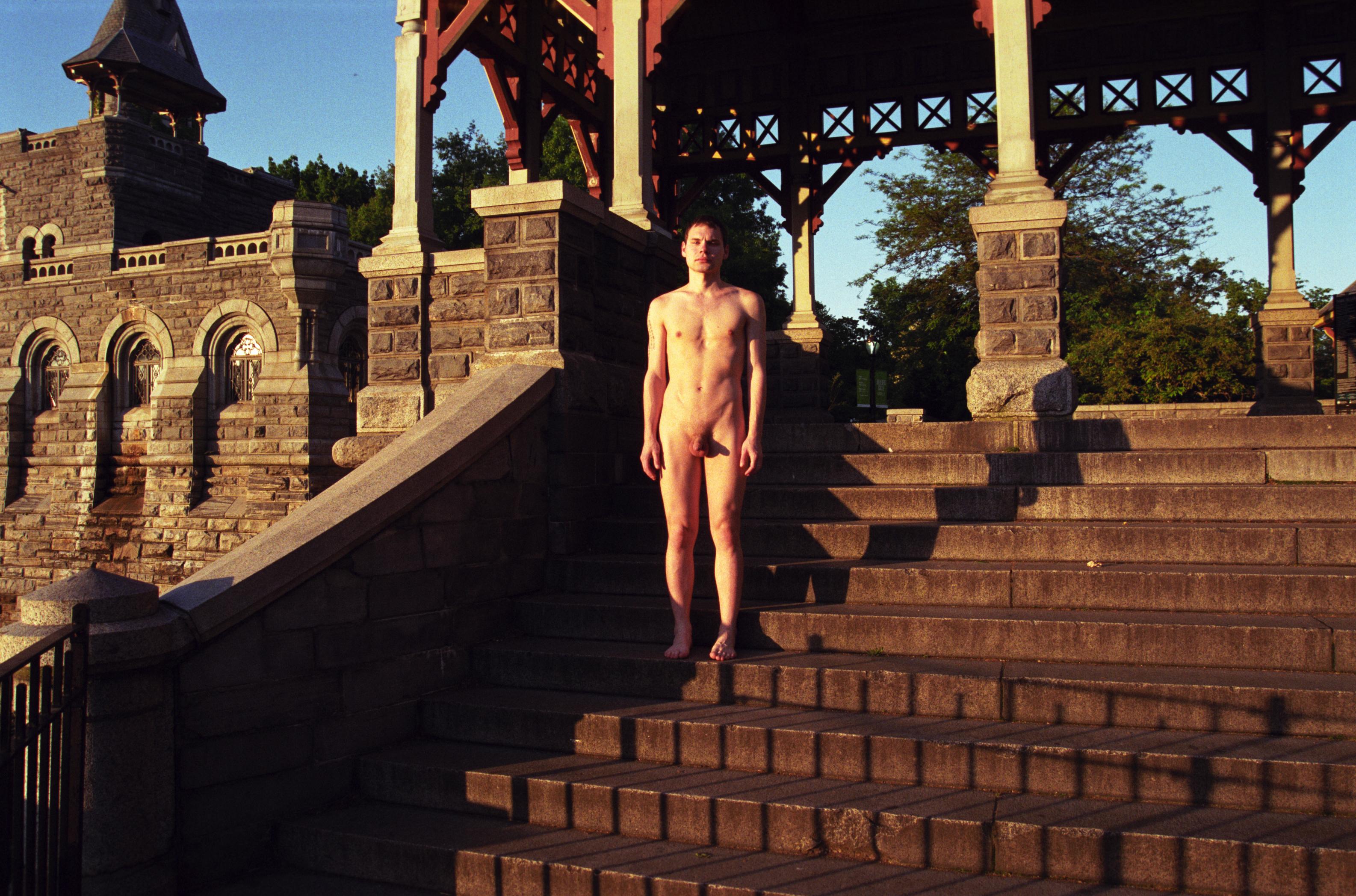 birinna-castle-nude-photo