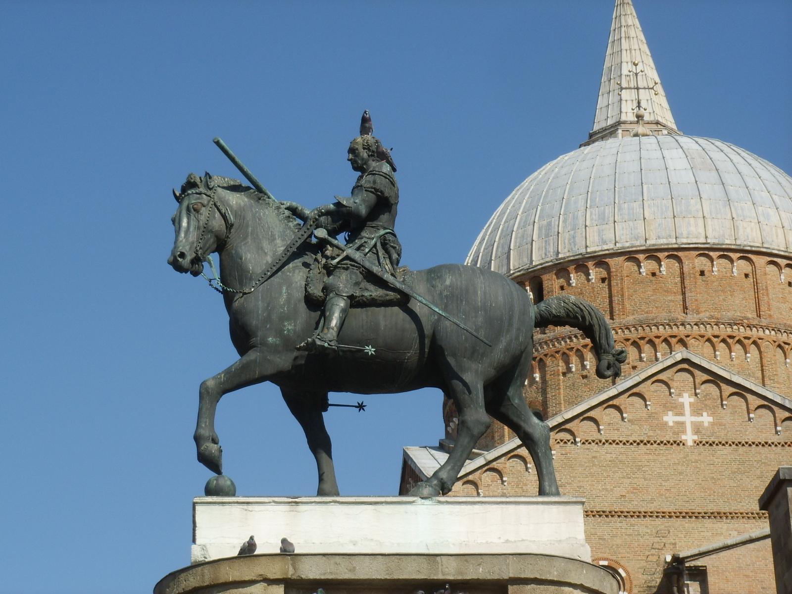 Descrizione Donatello  Monumento equestre al Gattamelata 03 JPGDonatello Equestrian Statue Of Gattamelata