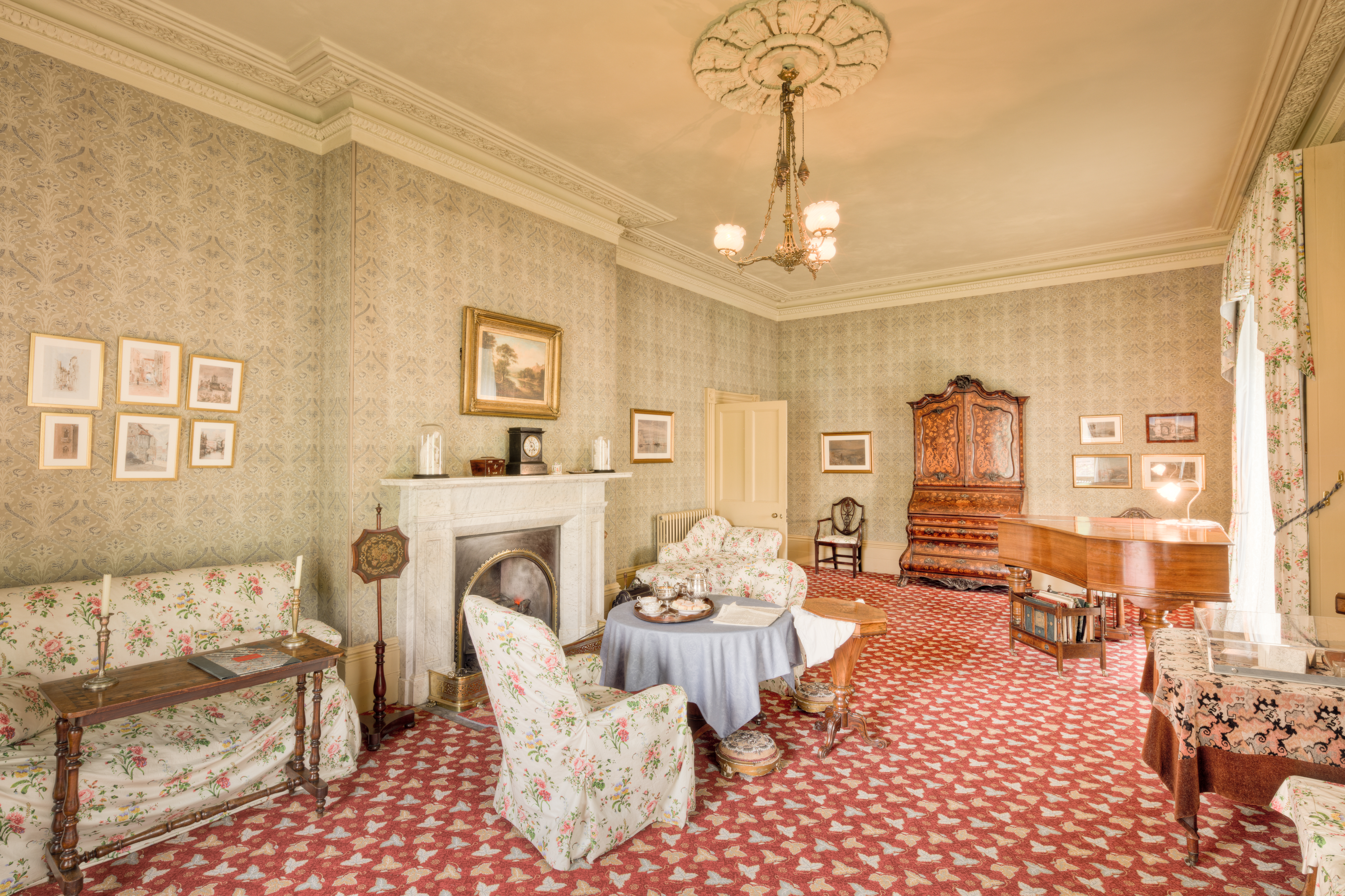 File Elizabeth Gaskell S House Drawing Room Jpg Wikimedia Commons
