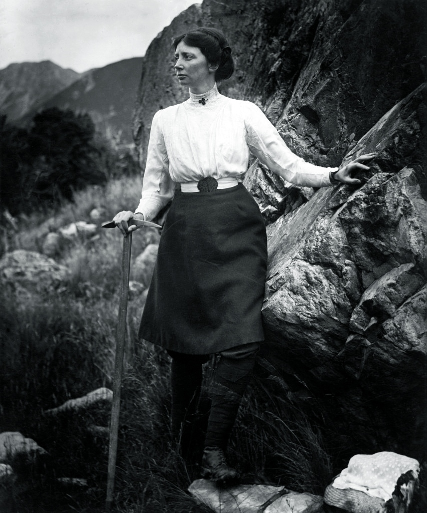 The picture shown of Freda in her skirt. Image from Wikipedia.