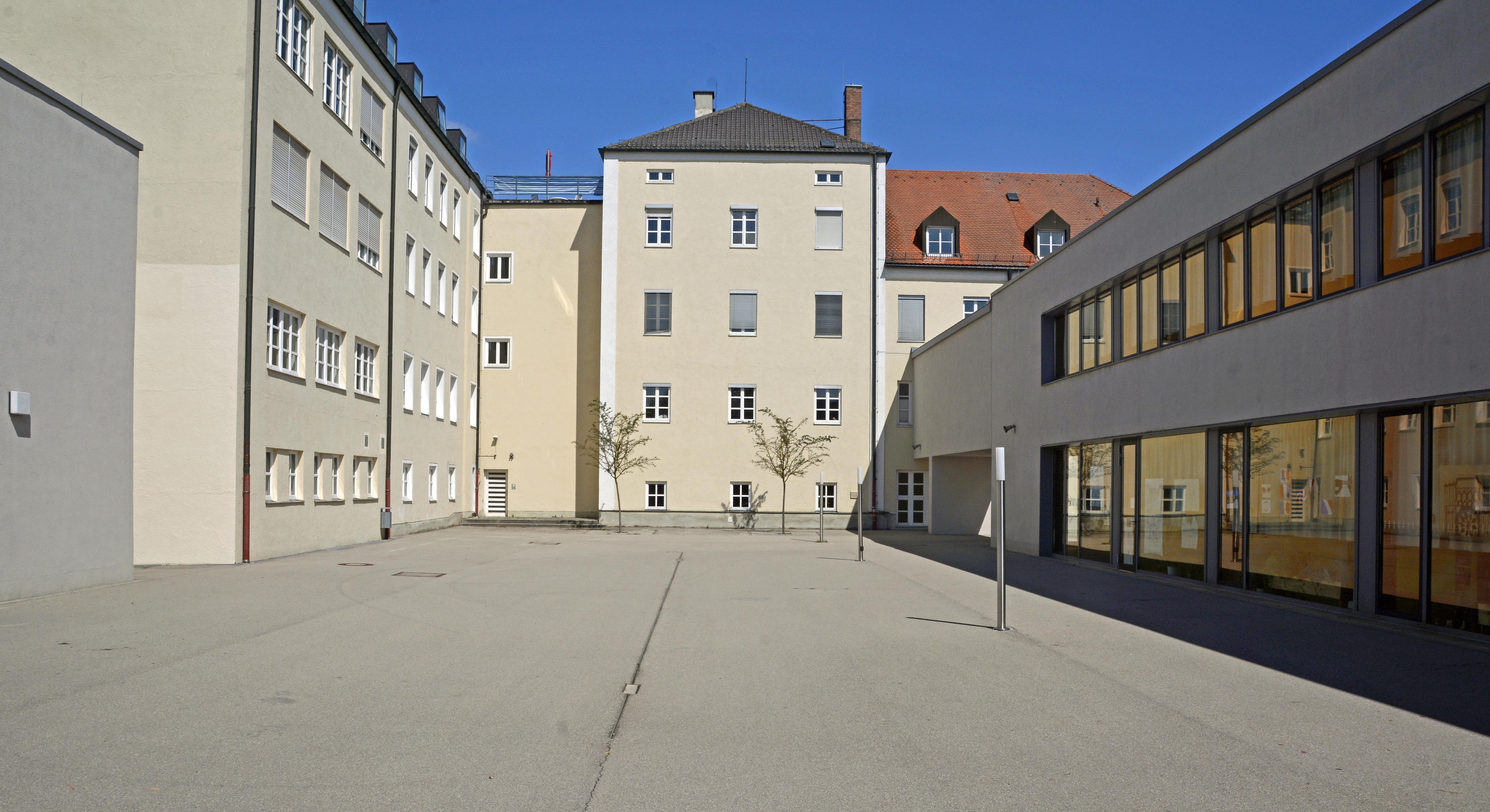 FileErzbischfliche Theresia Gerhardinger Realschule Weichs TGRS