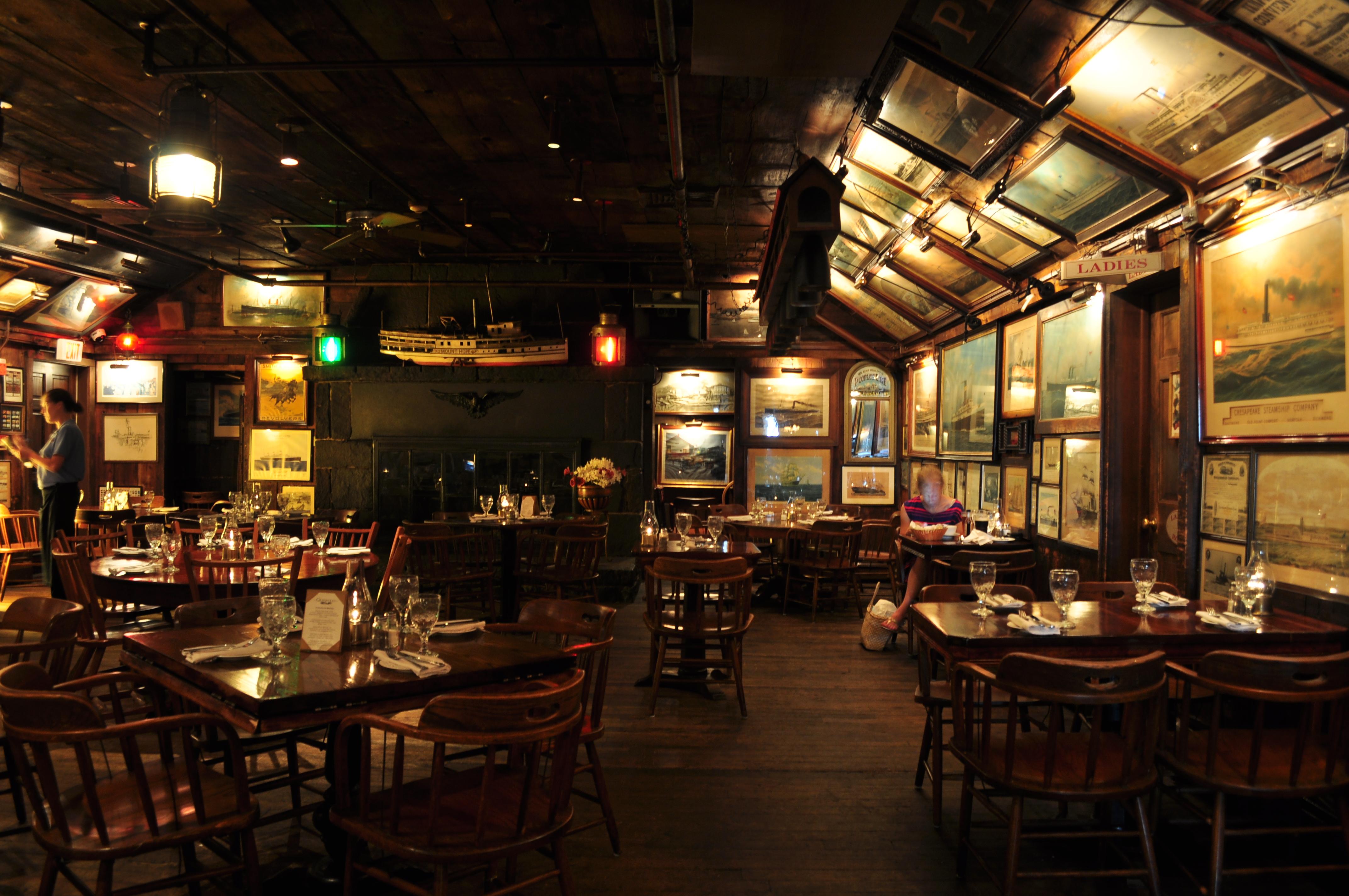 Underground Restaurant And Bar