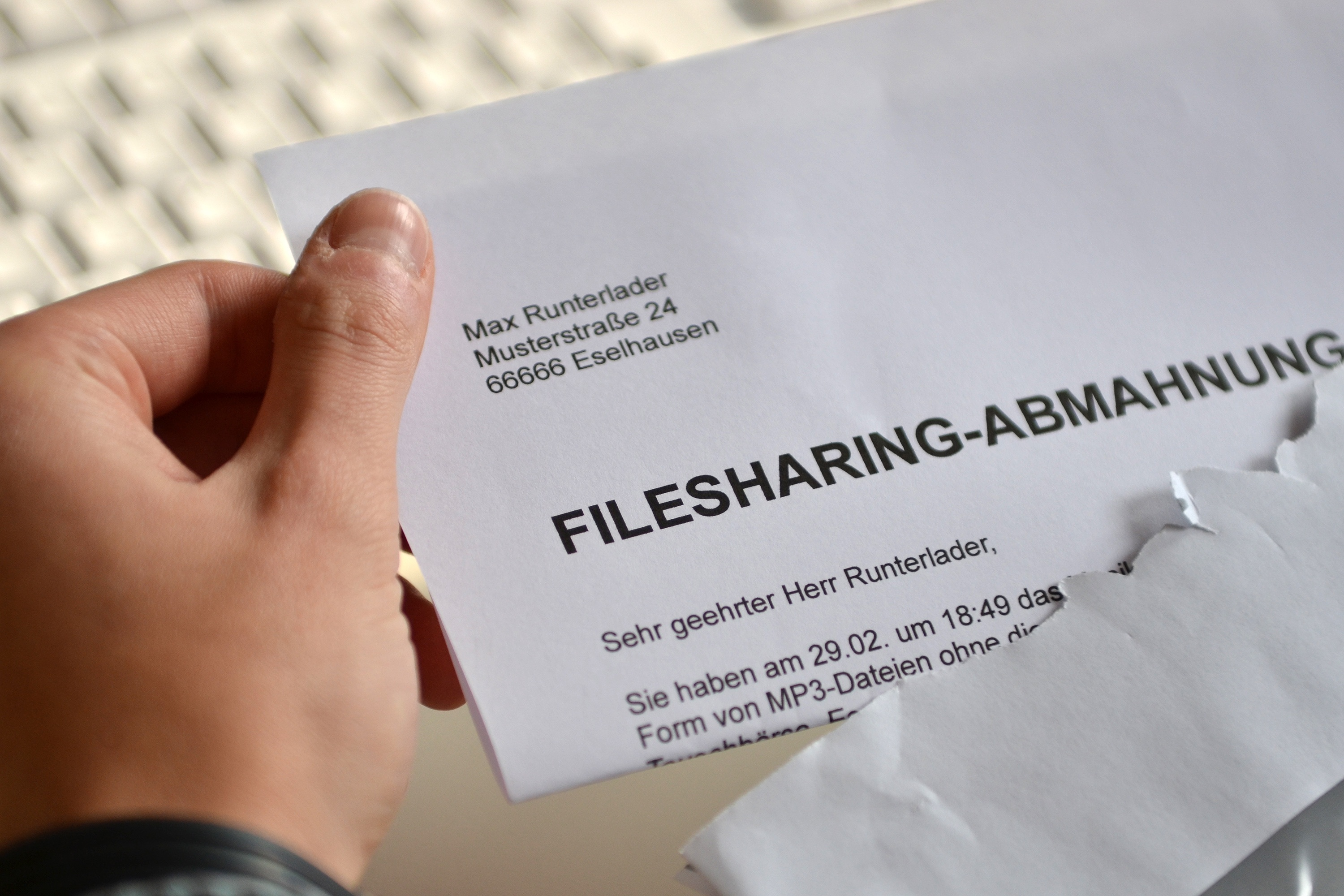 Filefilesharing Abmahnungjpg Wikimedia Commons