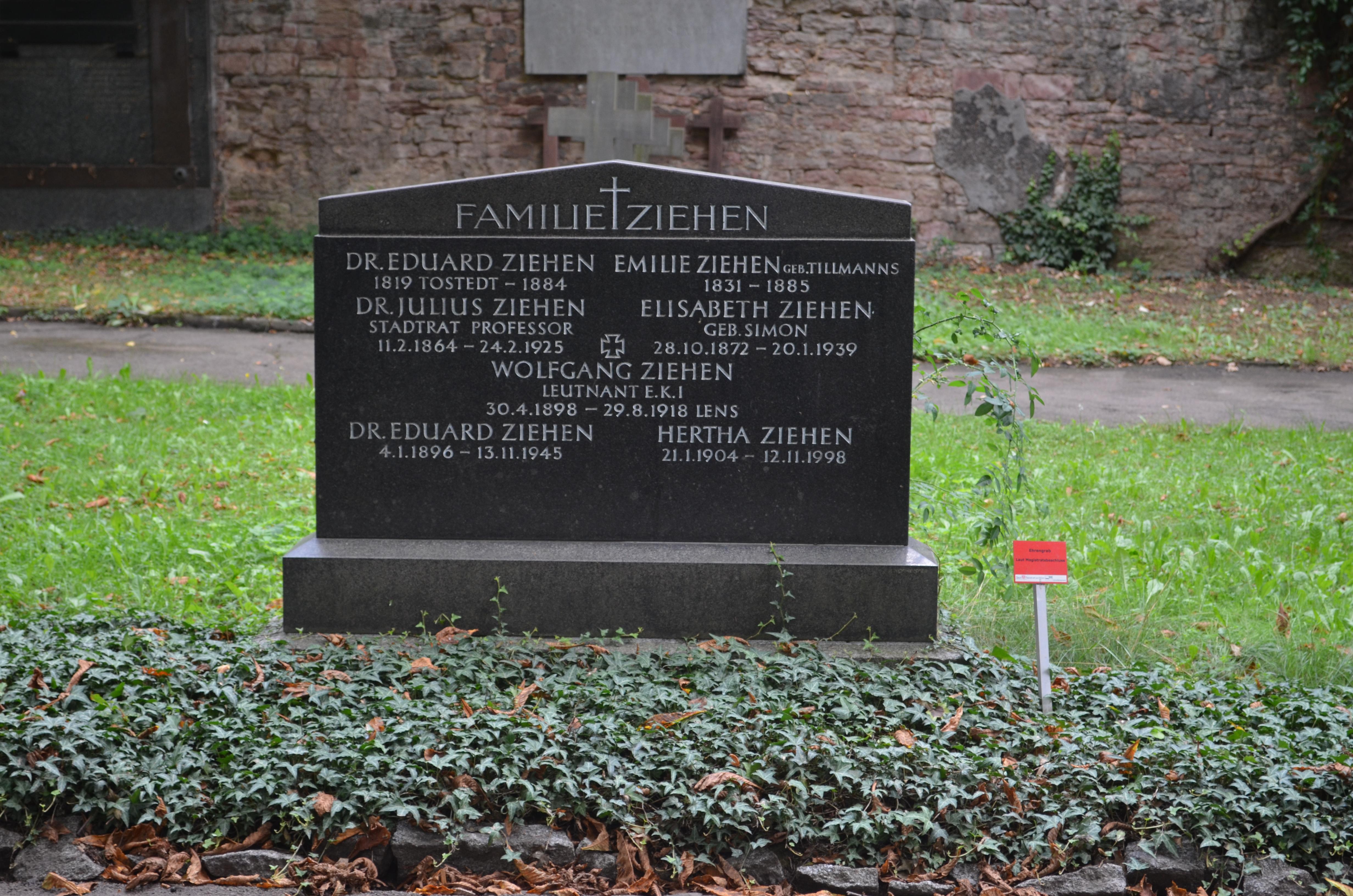Datei:Frankfurt, Hauptfriedhof, Ehrengrab D 228 Julius Ziehen.JPG ...