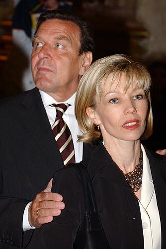 Gerhard and Doris Schroeder.jpg