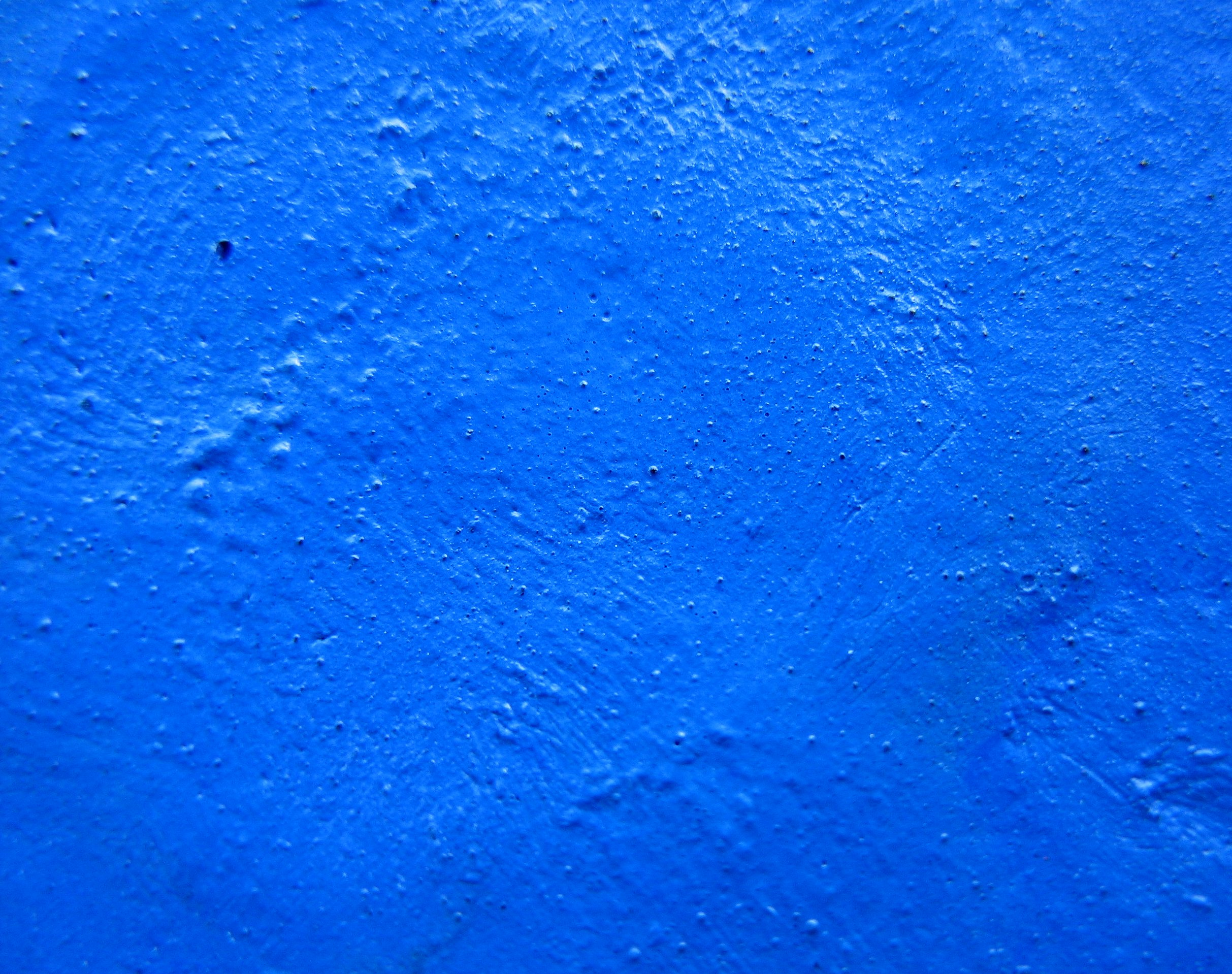 http://upload.wikimedia.org/wikipedia/commons/5/55/Gouache-bleue-blue.jpg