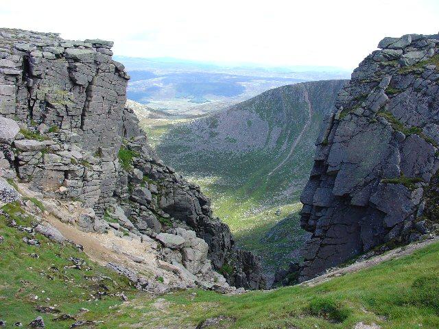 Gully near to Cac Carn Mor, Lochnagar - geograph.org.uk - 35803