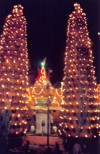 File:Harsiddhi Temple, Deepstambha, Ujjain.jpg