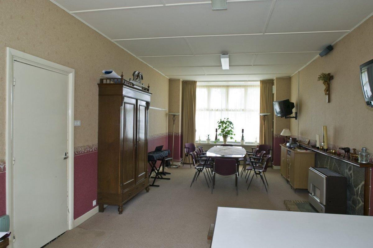 File interieur overzicht van kamer in de pastorie zuidhorn