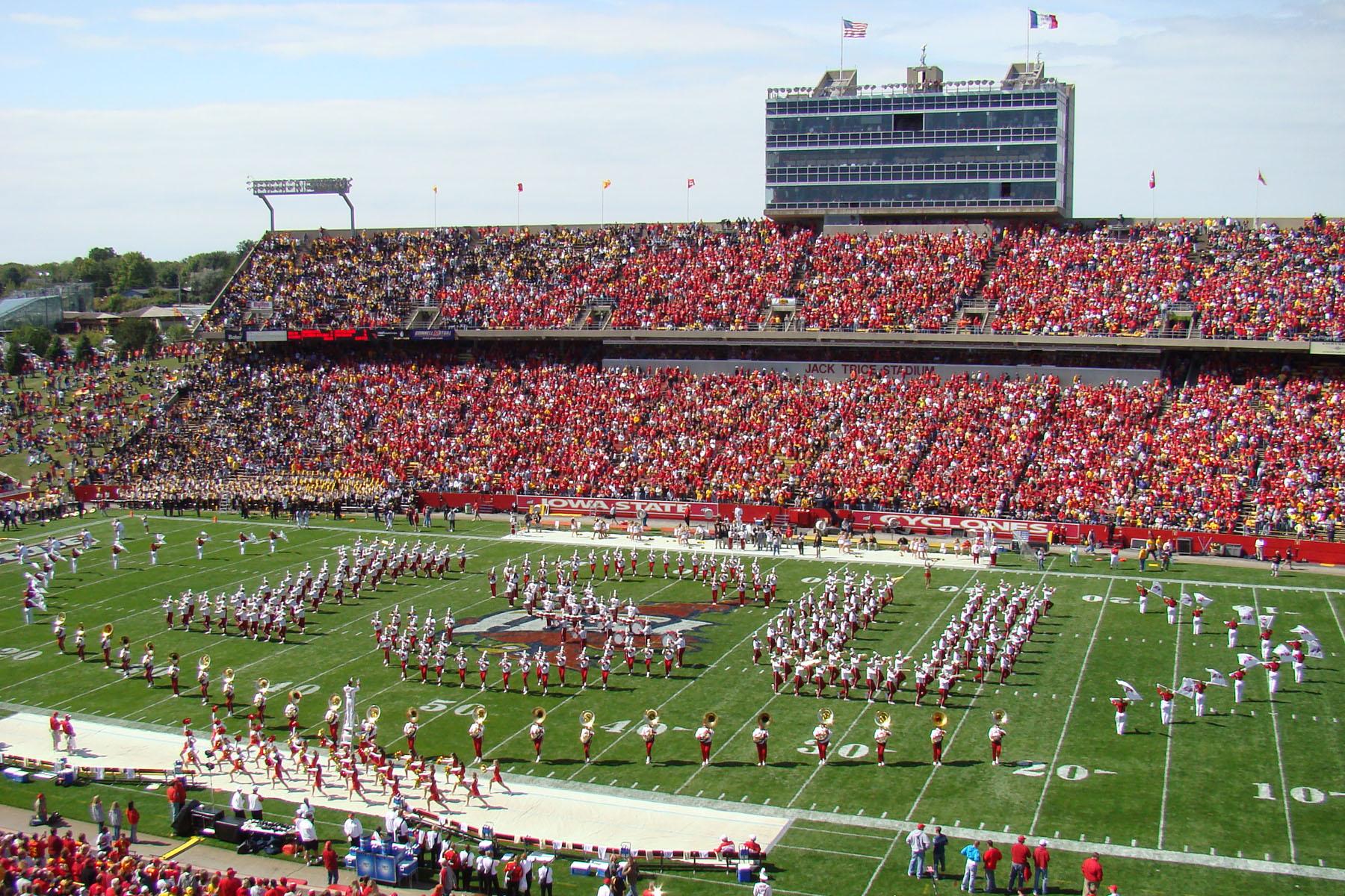 File Jack Trice Stadium Daytime Jpg Wikimedia Commons