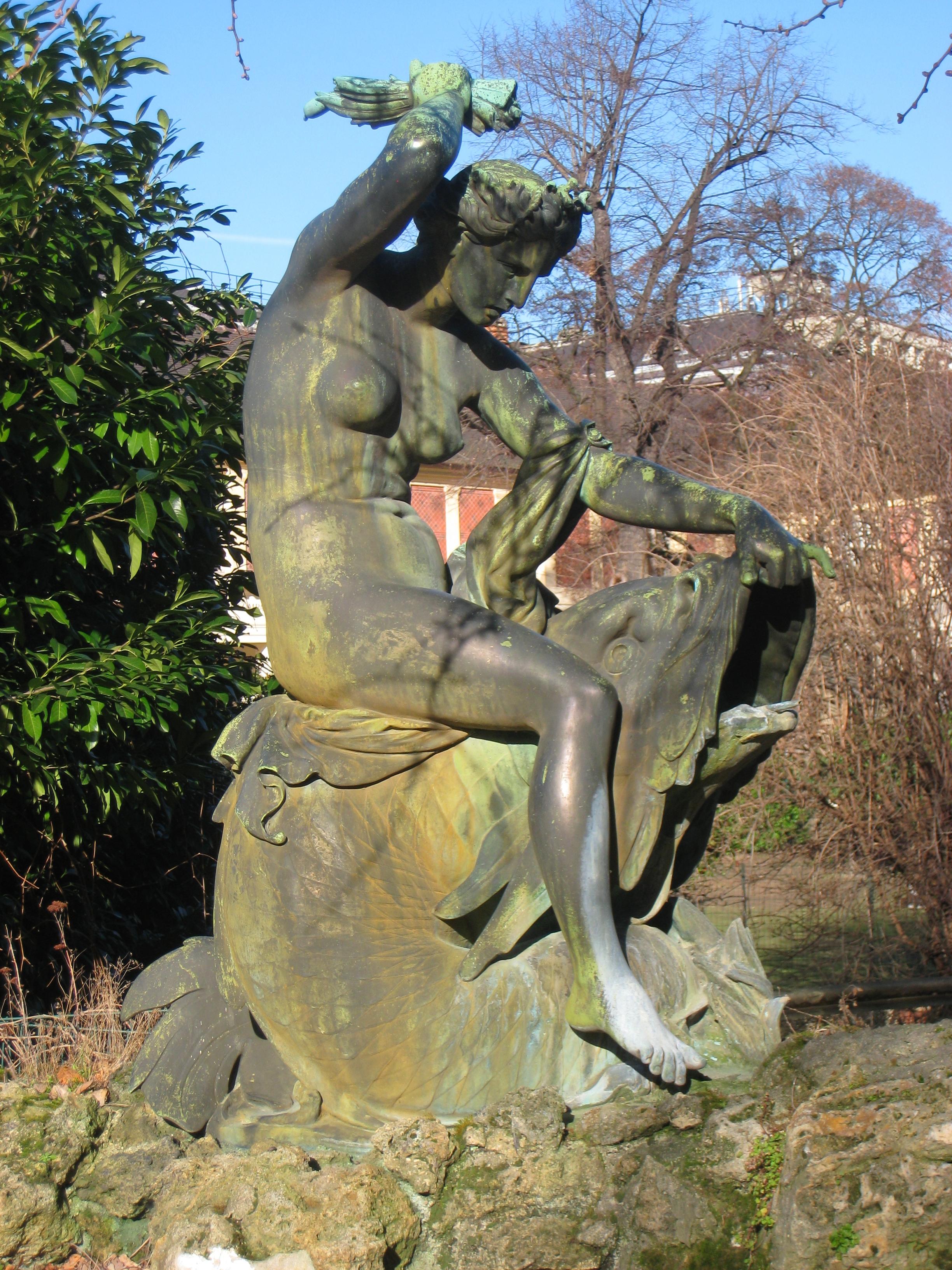 File Jardin des Plantes de Paris statue JPG Wikimedia mons