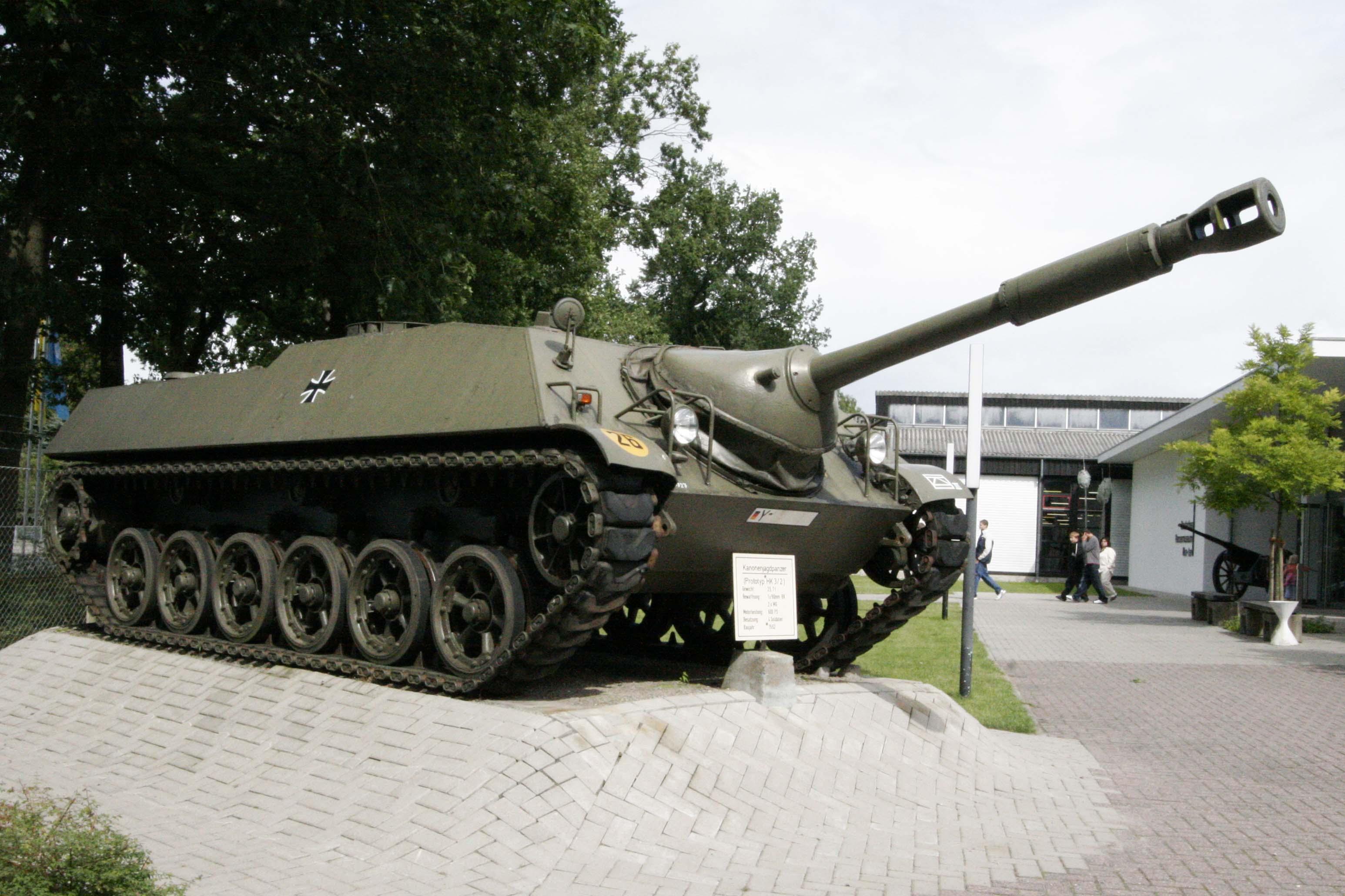 Inside the NiNWOTers hatch Kanonenjagdpanzer_Prototype