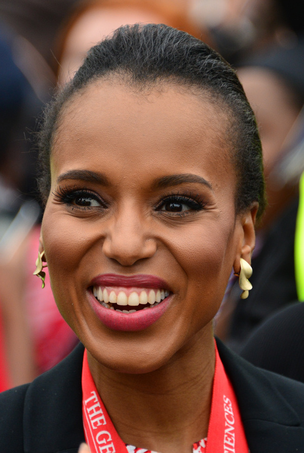 The 41-year old daughter of father Earl Washington and mother Valerie Washington Kerry Washington in 2018 photo. Kerry Washington earned a  million dollar salary - leaving the net worth at 8 million in 2018