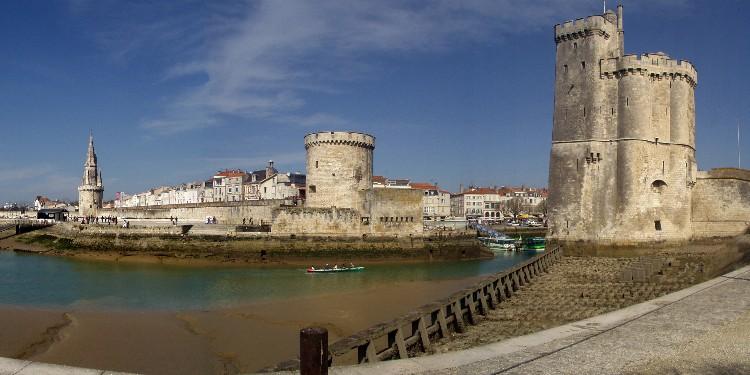 File:La Rochelle las tres torres.jpg
