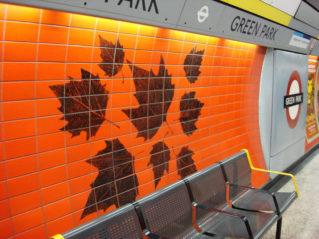 Leaves motif on Green Park Jubilee line platforms - geograph.org.uk - 614590