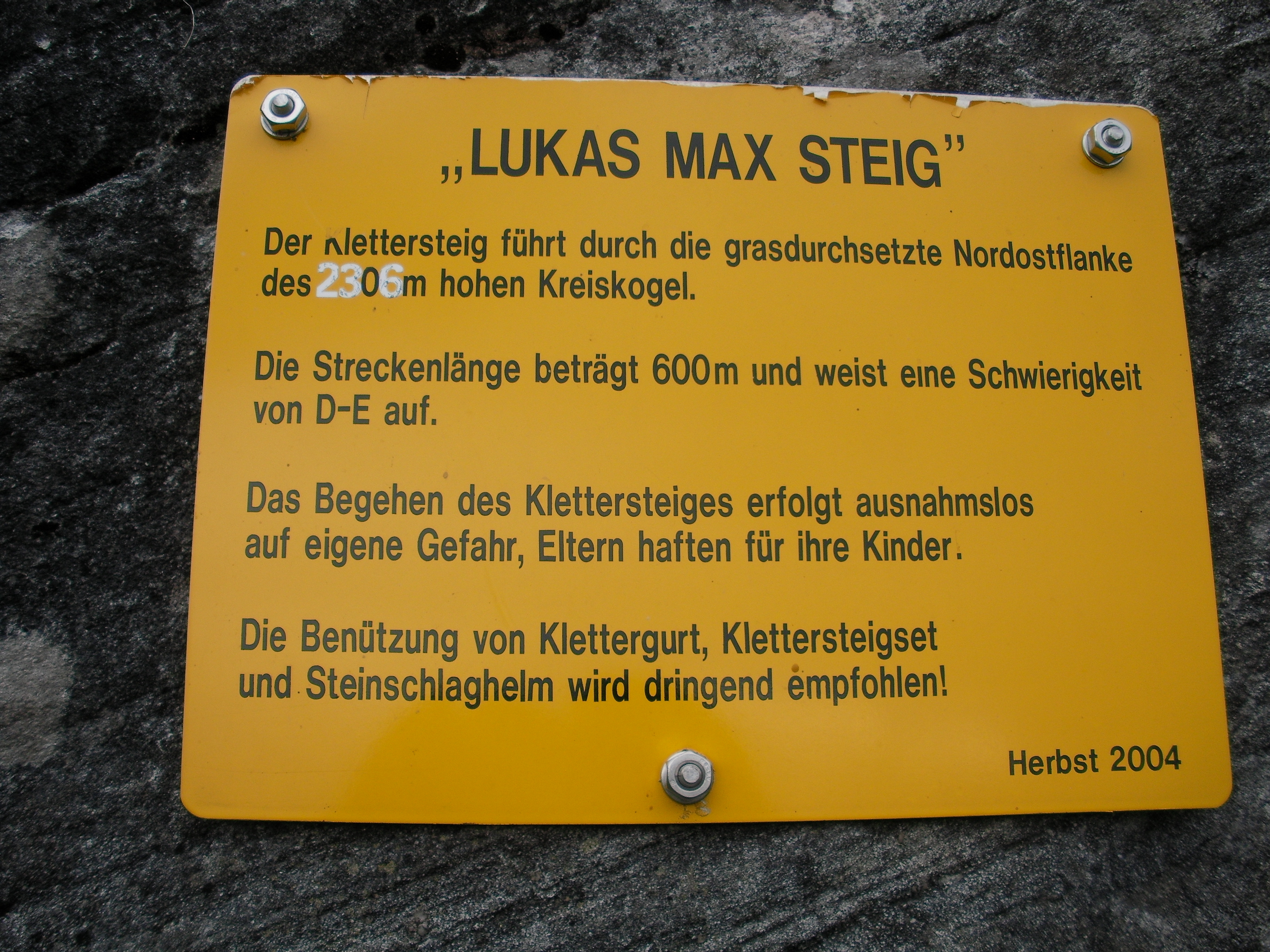 Klettergurt Mit License : File:luxasmaxsteig04.jpg wikimedia commons