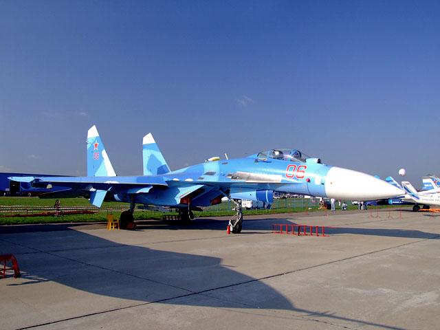 Aviones: Su-27