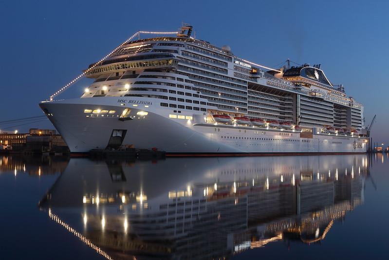 1:3100 MSC Bellissima Cruise Ship