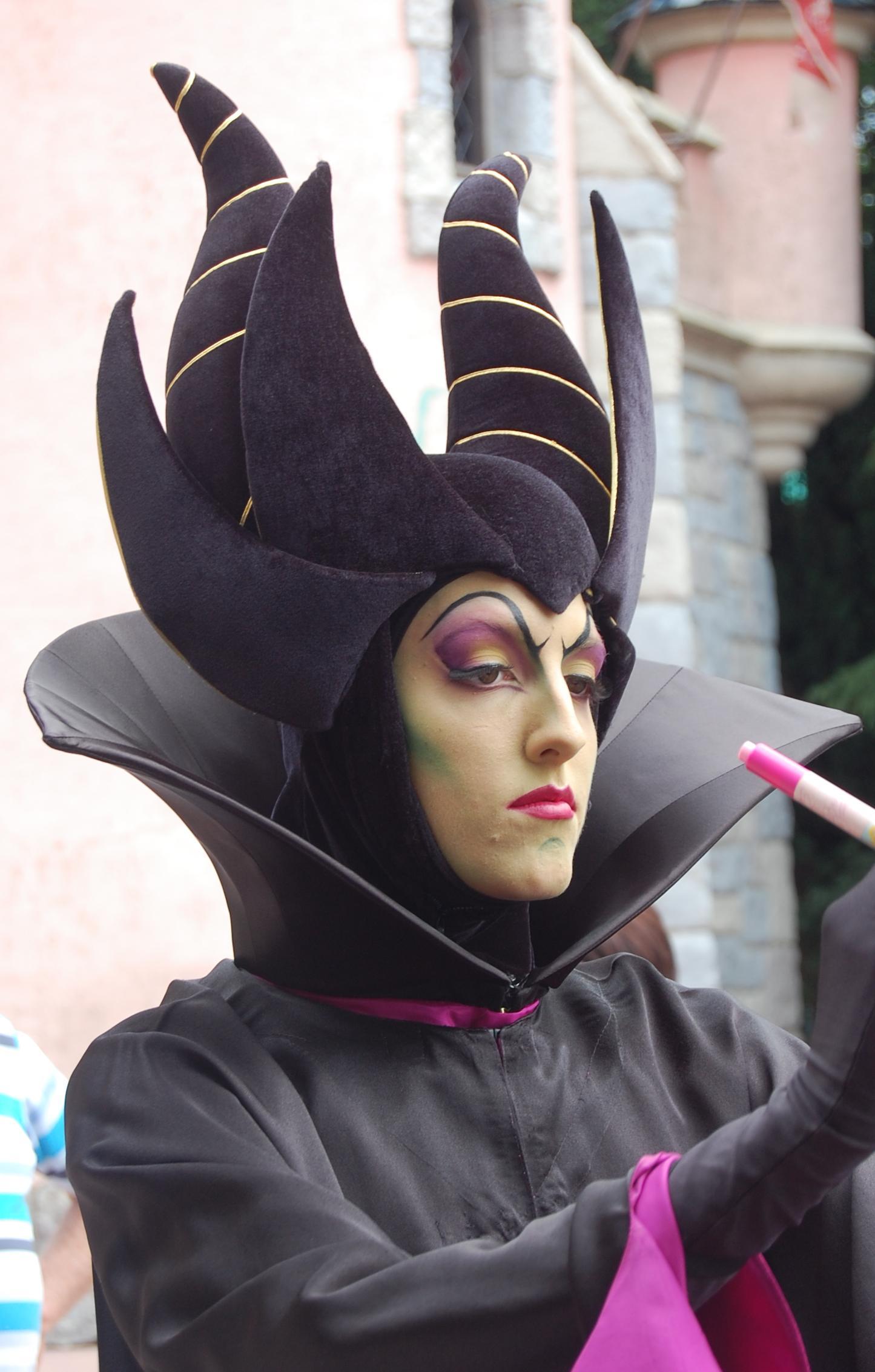 File Maleficent Cast Member Jpg Wikipedia