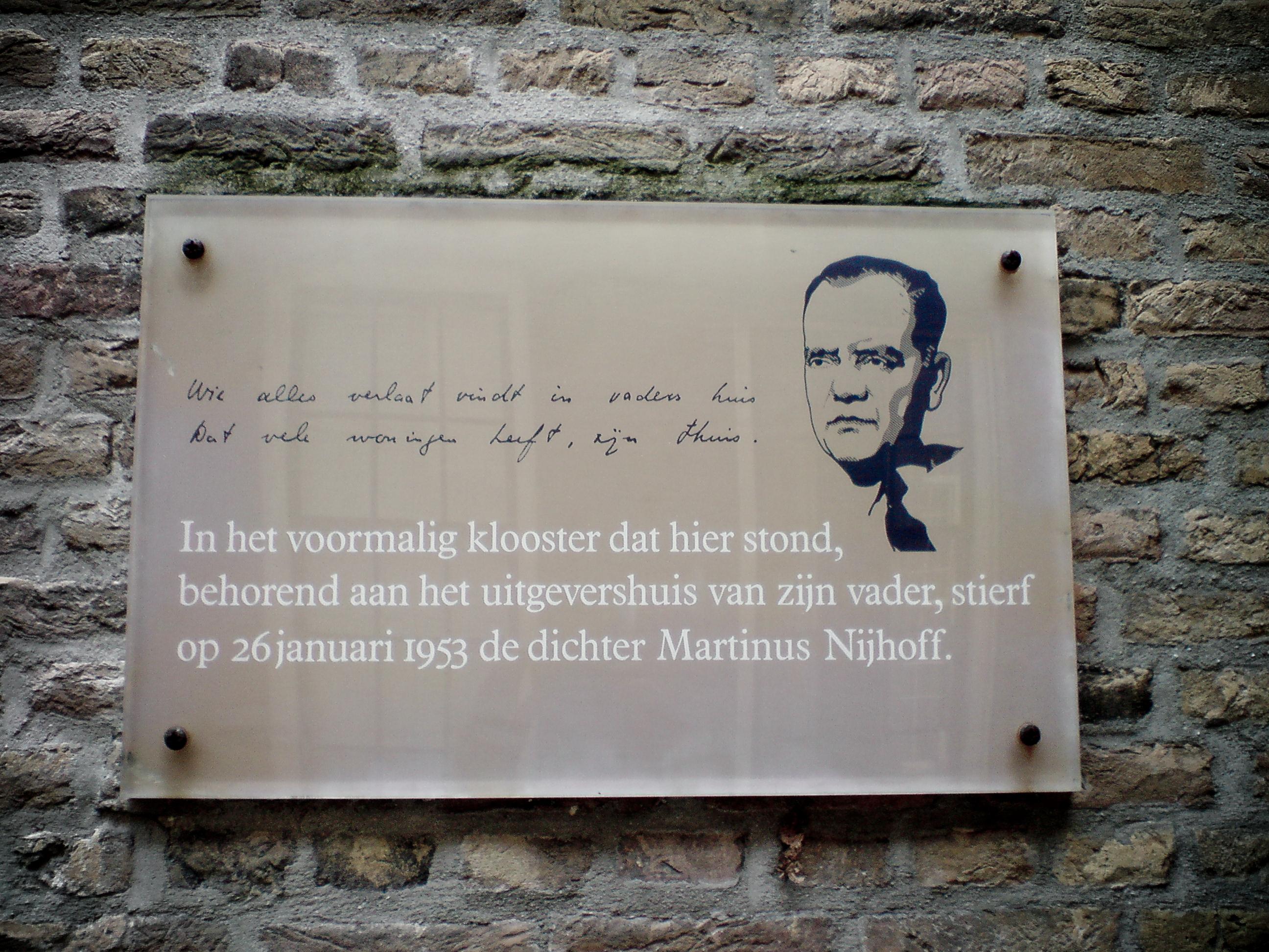Filemartinus Nijhoff Plaquette Kleine Kazernestraat Den