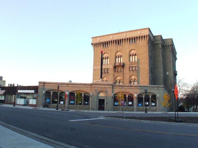 File:Masonic Temple Pontiac MI.jpg - Wikimedia Commons