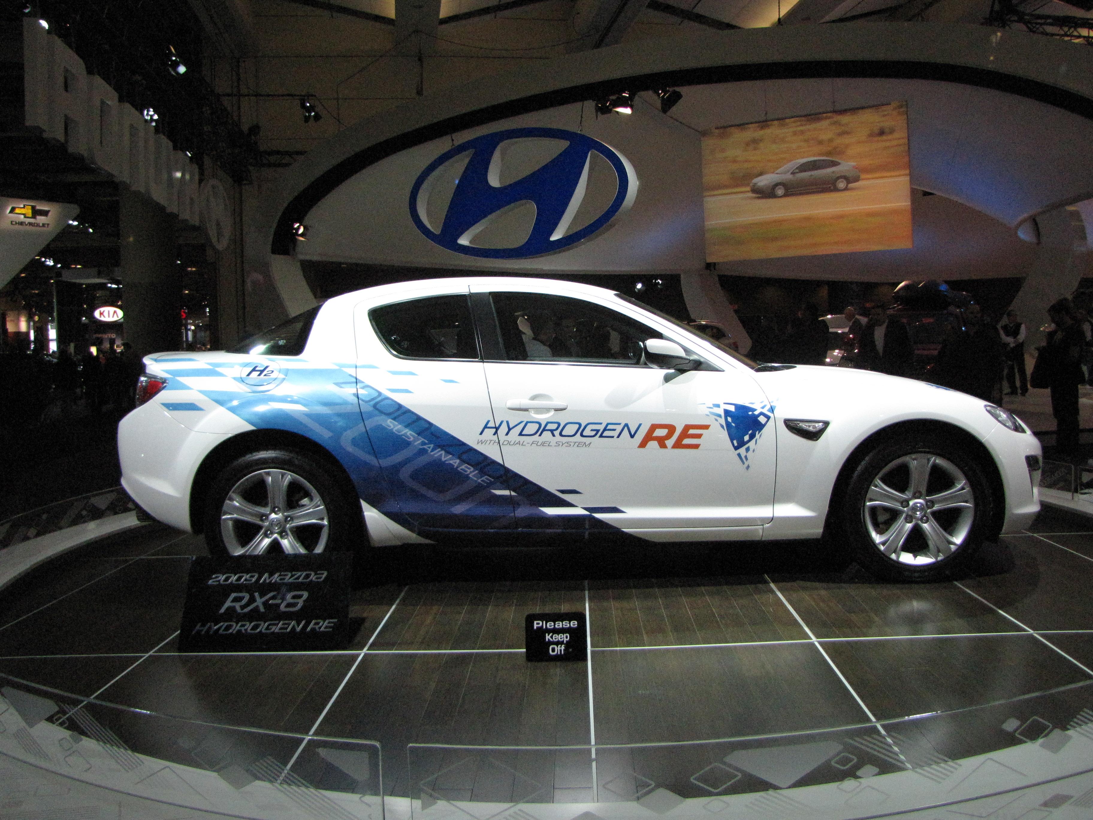 File:Mazda 2010 RX-8 Hydrogen RE Right.jpg - Wikimedia Commons