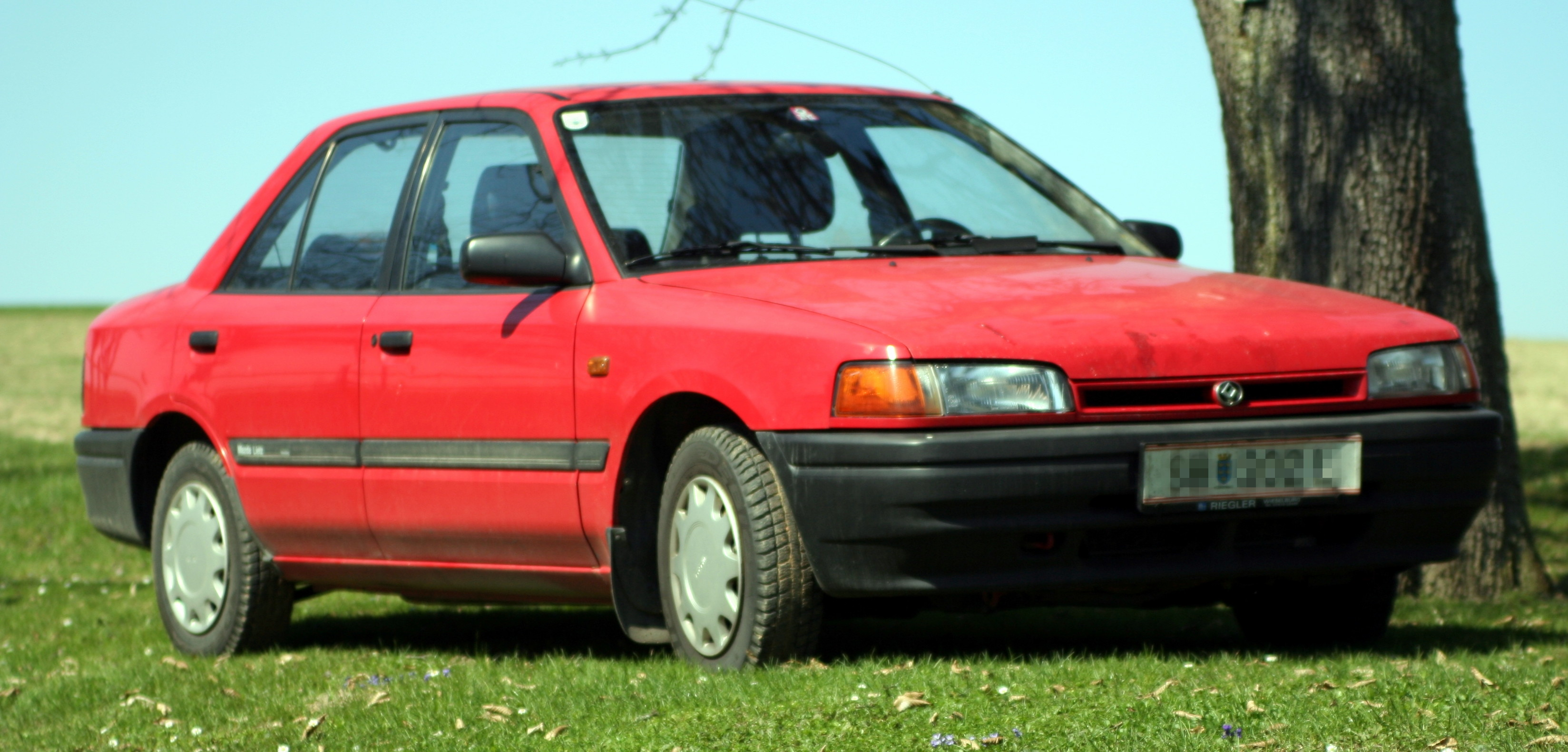 mazda astina wikipedia with File Mazda 323 on File 2003 Mazda 323  BJ II  Astina Shades 5 Door hatchback 01 additionally File mazda 323 hatch front moreover Images together with File 1st Ford Festiva furthermore File Mazda 323f rear 20071002.