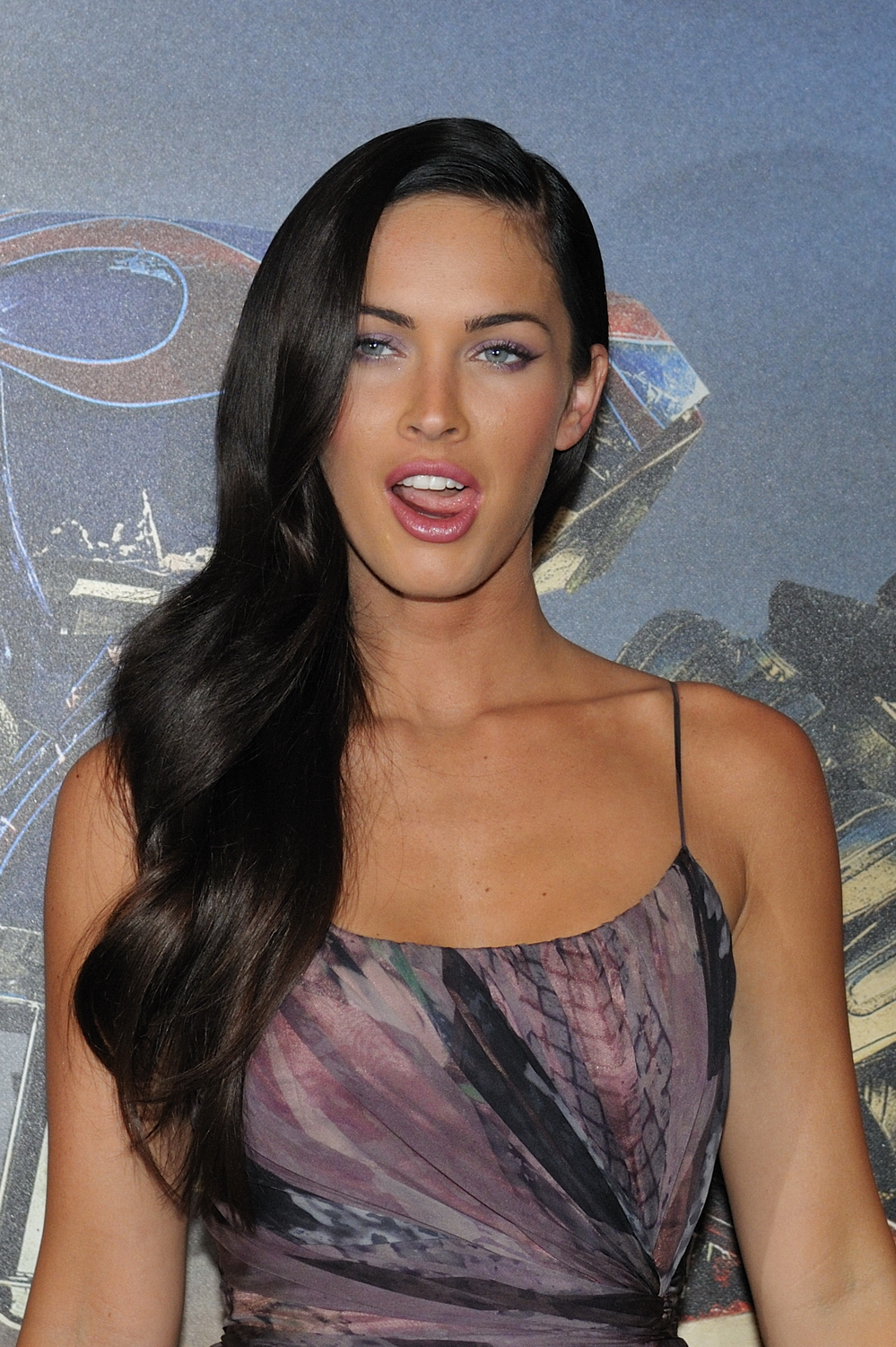 File:Megan Fox promoting Transformers in Paris 2.jpg