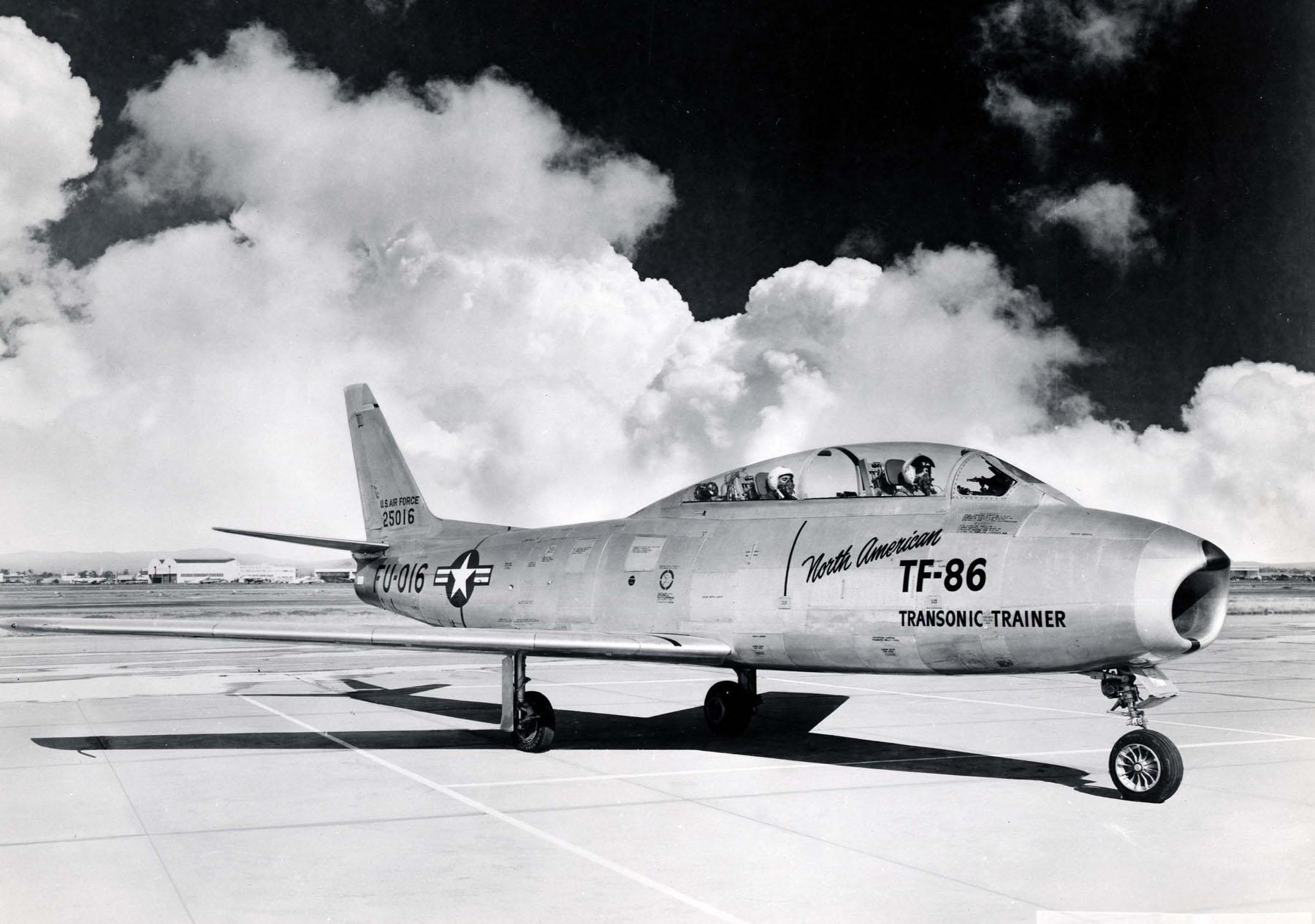 The Aviation Photo Company   F-86 Sabre (North American)