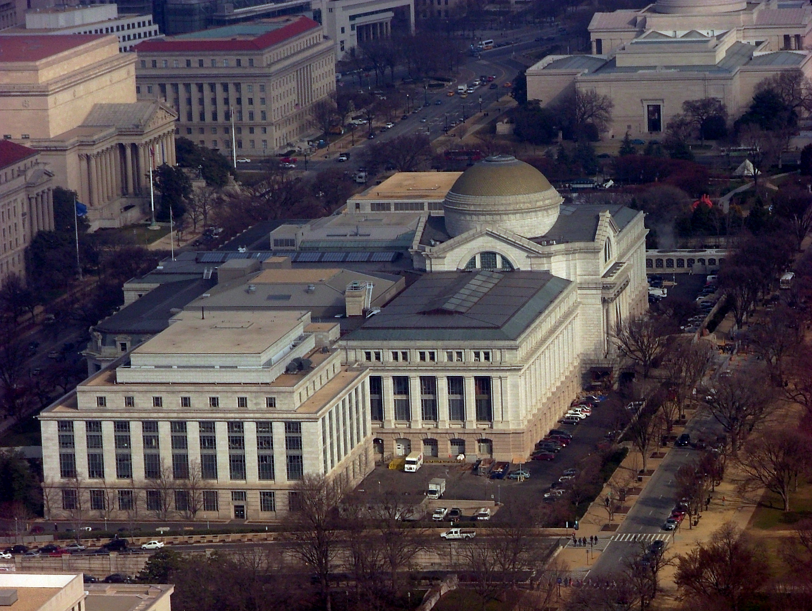 The National Museum of American History is located on Constitution Avenue NW and runs along the National Mall. Through research, in-depth exhibits, extensive collections and public outreach, the museum presents America's history in all of its complexity.