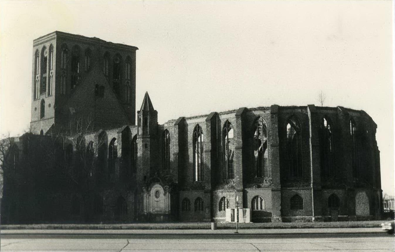 Nikolaikirche um 1982 2.jpg