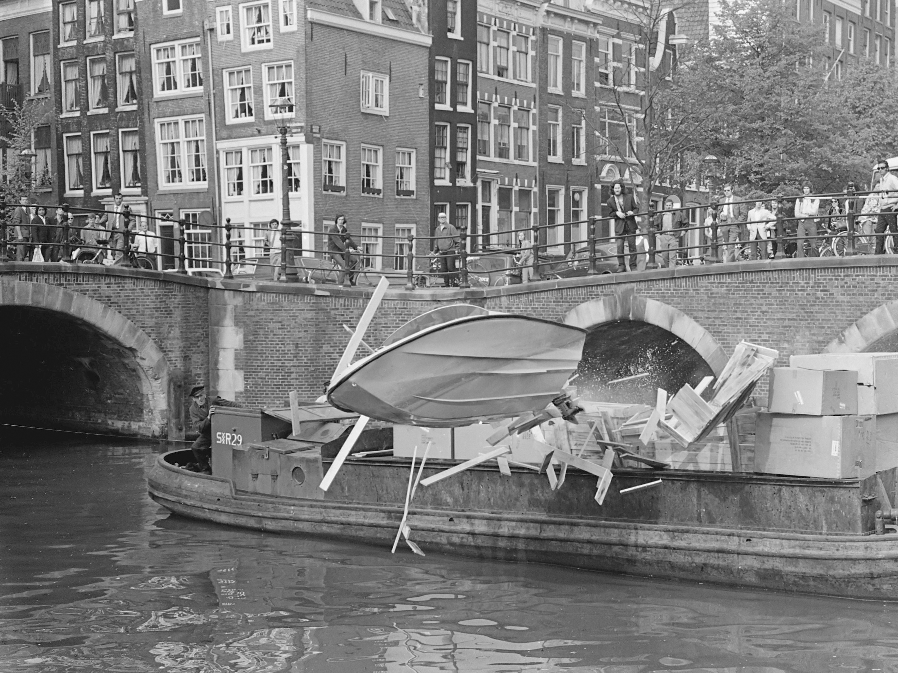 File:Opname voor Puppet on a Chain in Amsterdam (1970).jpg