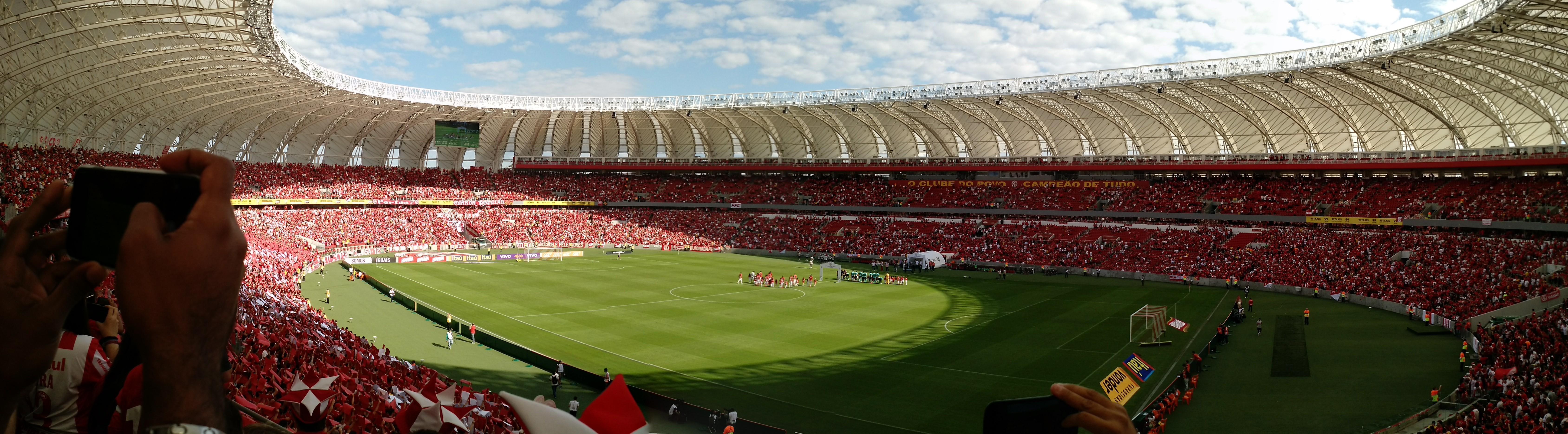 Panorama do interior do Beira-Rio durante partida do Campeonato Brasileiro  de 2015. 13a3f4a45d4a8