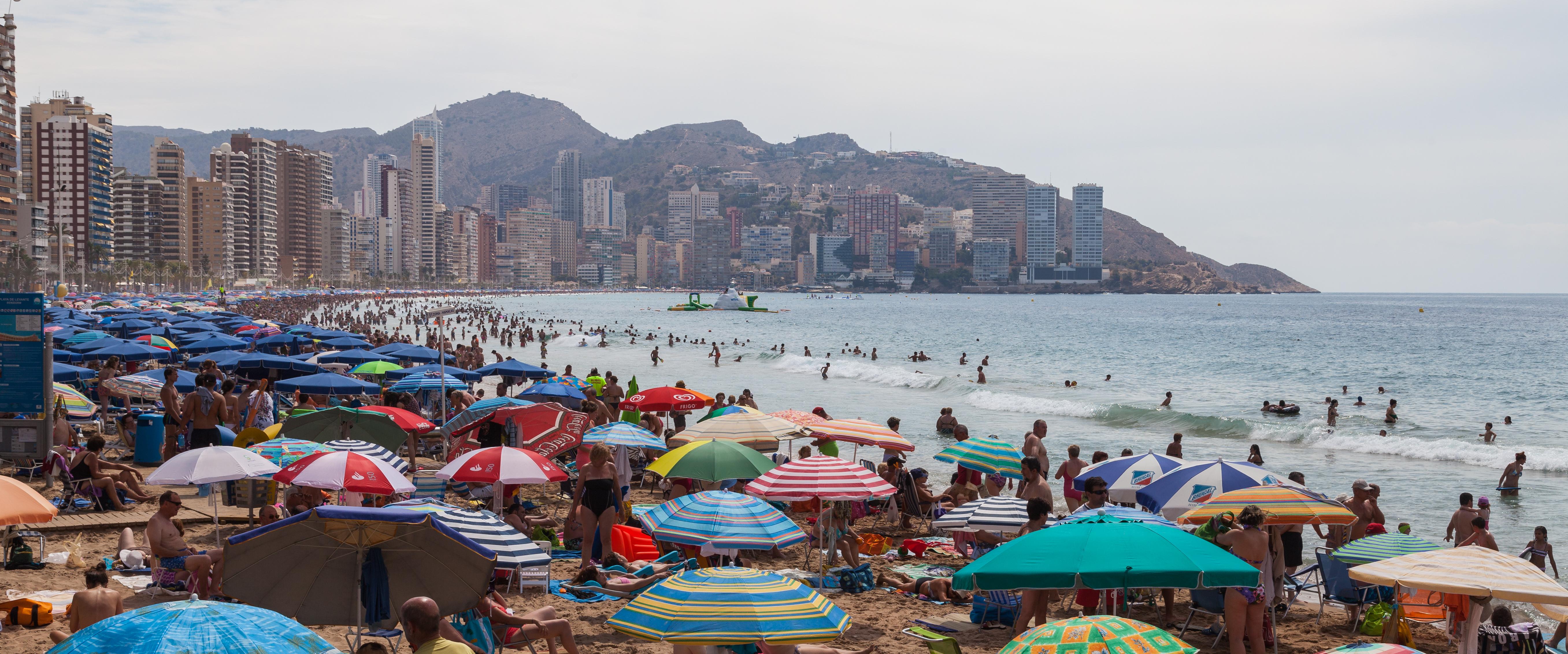Datei:Playa de Levante, Benidorm, España, 2014-07-02, DD 05.JPG – Wikitravel
