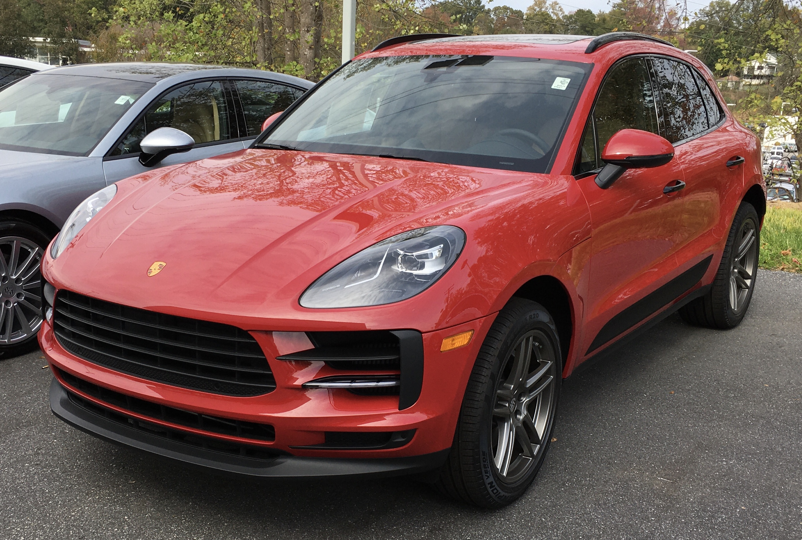 Red Porche Macan