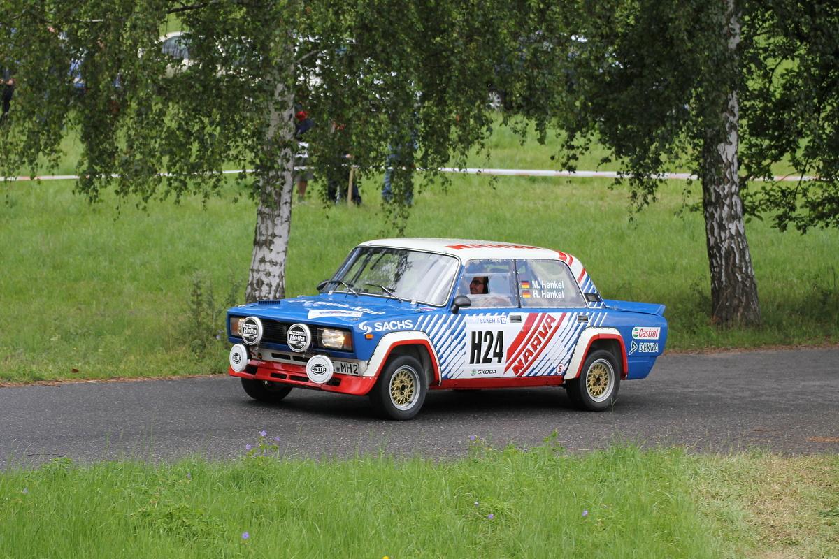 Rally Motor Credit >> File:Rally Bohemia 2012 (historic show, SS15 Sychrov) - Lada VFTS.JPG - Wikimedia Commons