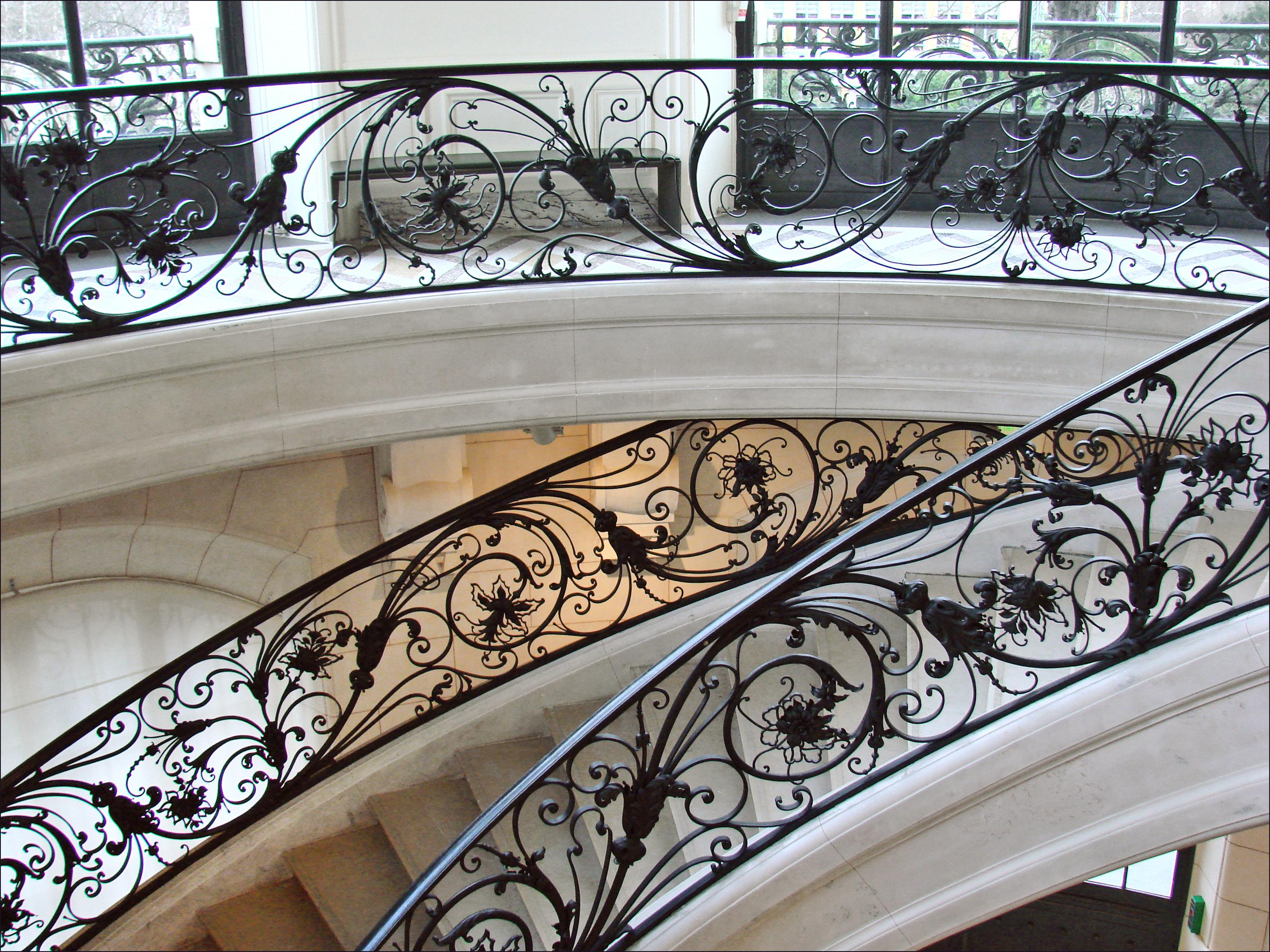 File:Rampe en fer forgé dune des rotondes du Petit Palais ...