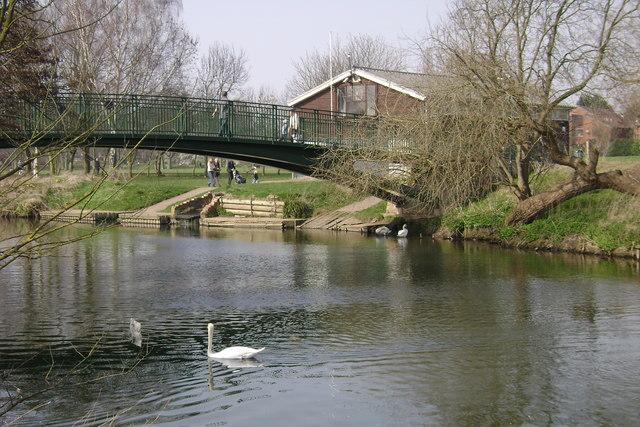 River Avon, Warwick - geograph.org.uk - 1214197