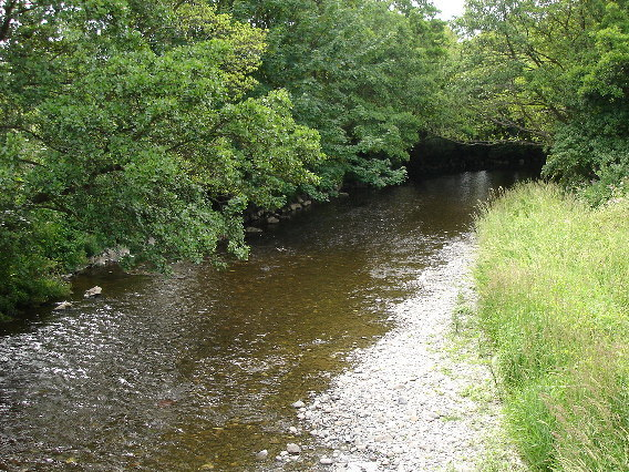 River Clwyd St. Asaph - geograph.org.uk - 24628 (cropped)
