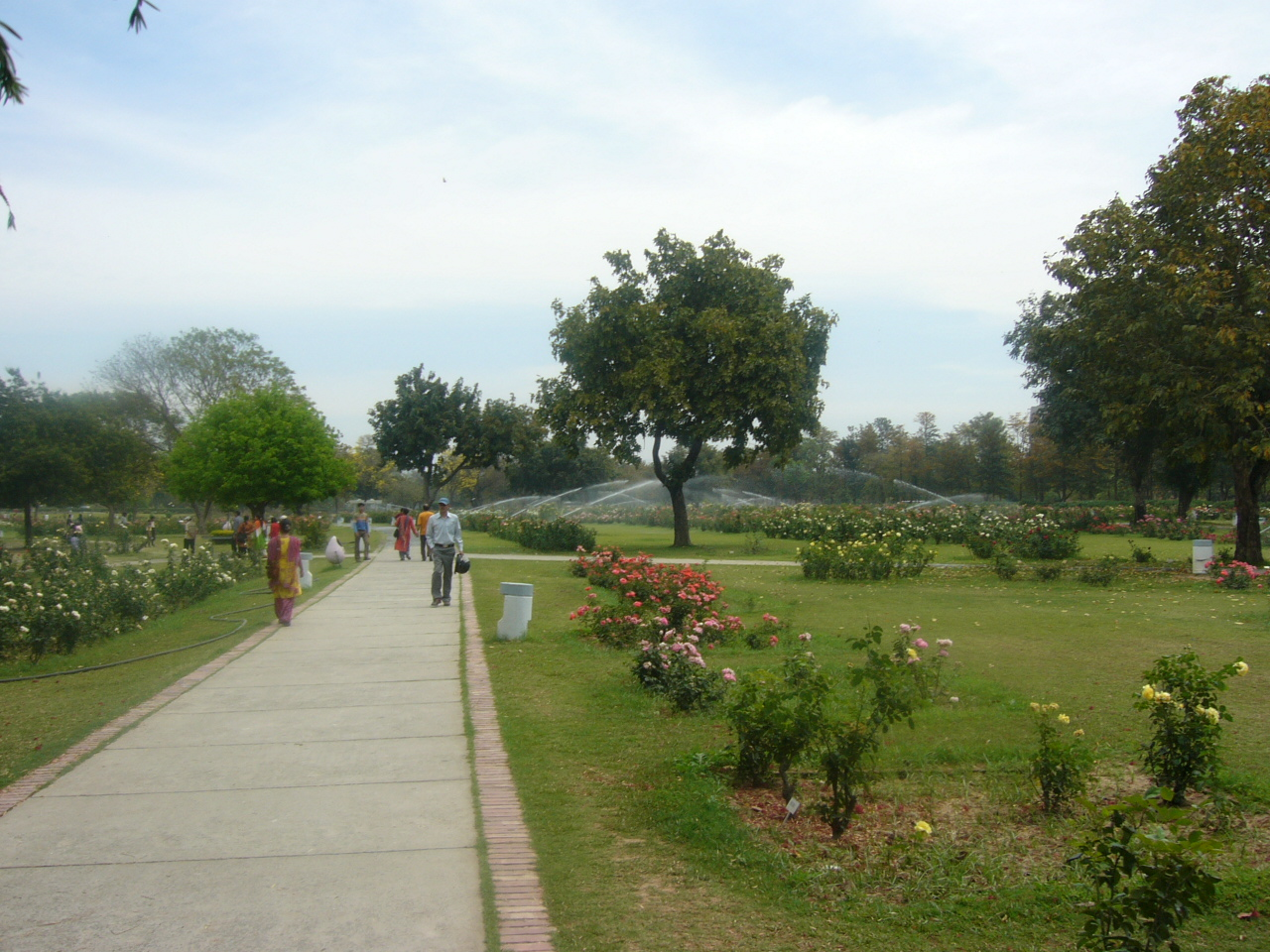 Chandigarh India  city images : Rose Garden Chandigarh India 2 Wikipedia, the free ...