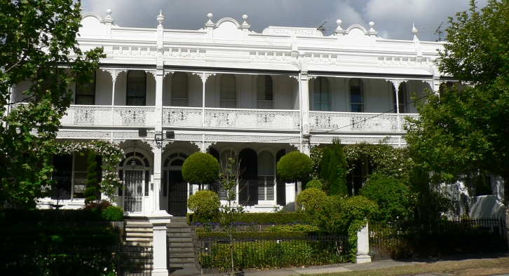 Traditional homes in Toorak