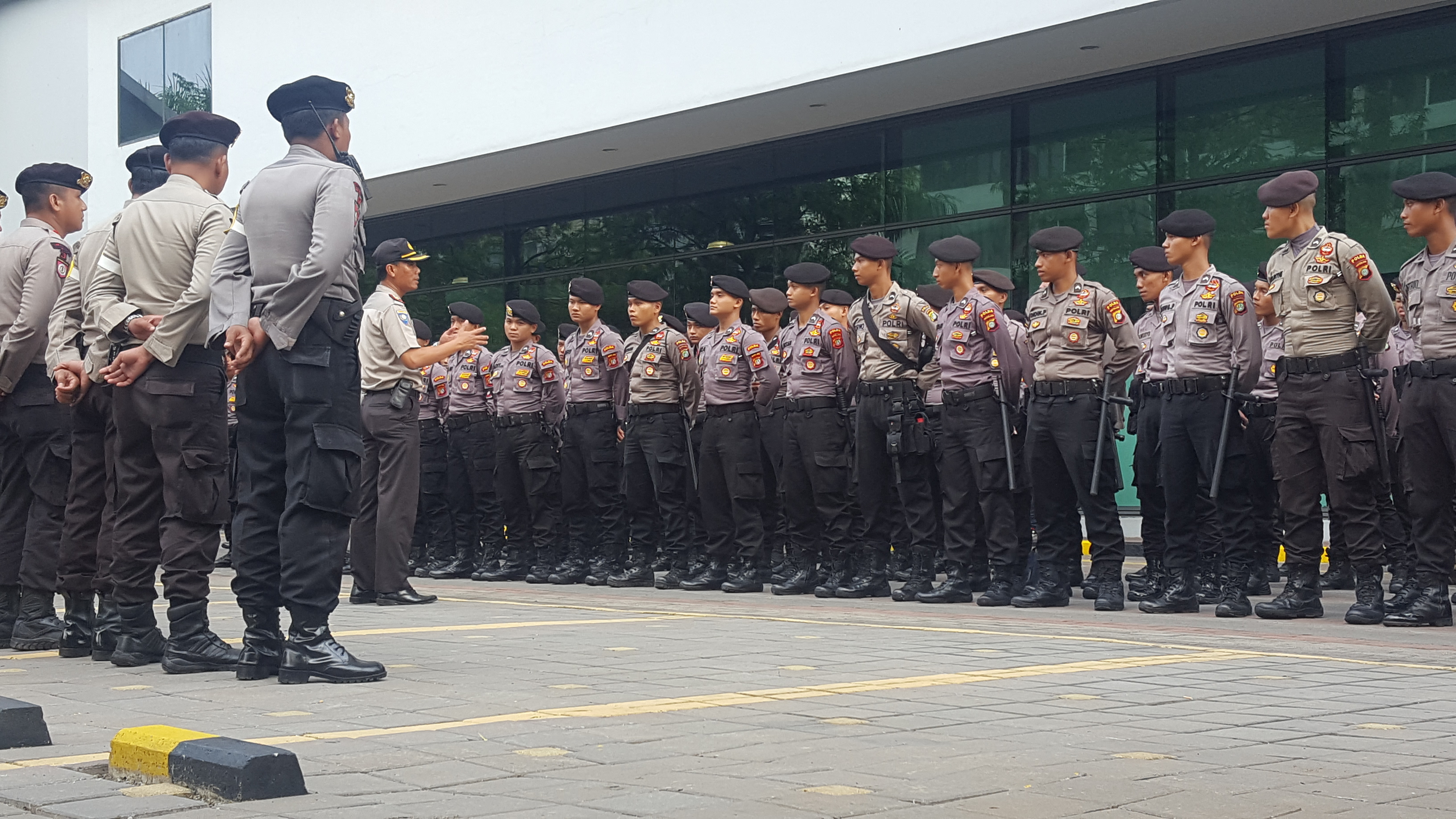 b7f6e5336 Indonesian police personnel in Jakarta