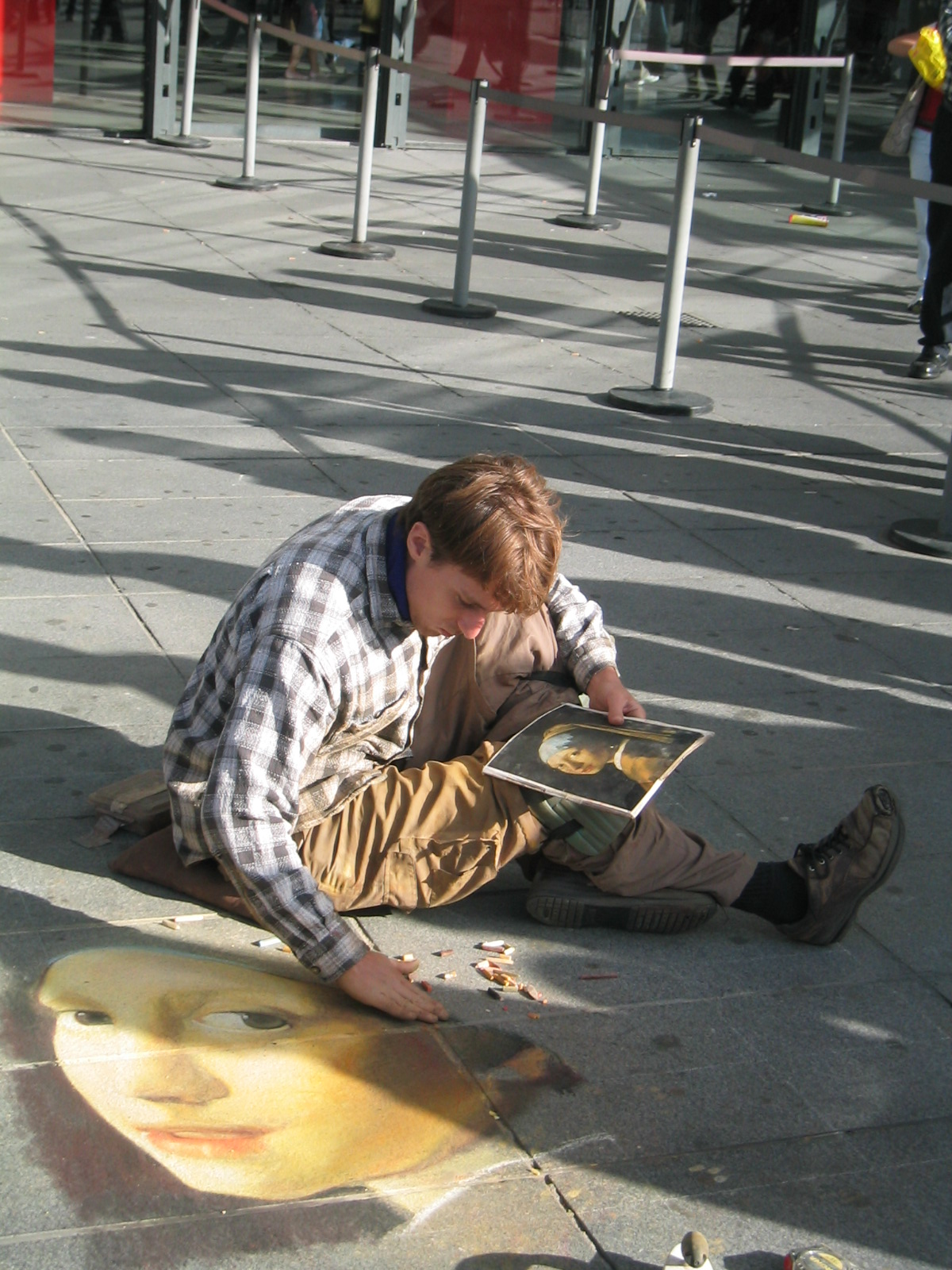 Street artist Centre Pompidou.jpg
