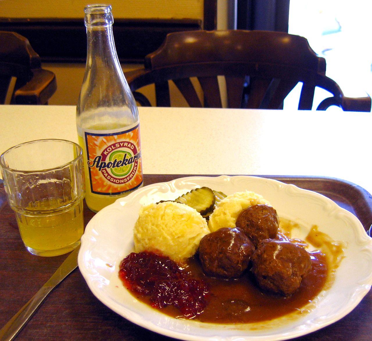 Fil:Swedish.food-Köttbullar med lingon-01.jpg – Wikipedia