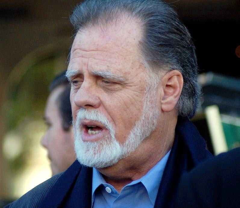 Taylor Hackford blood in blood out