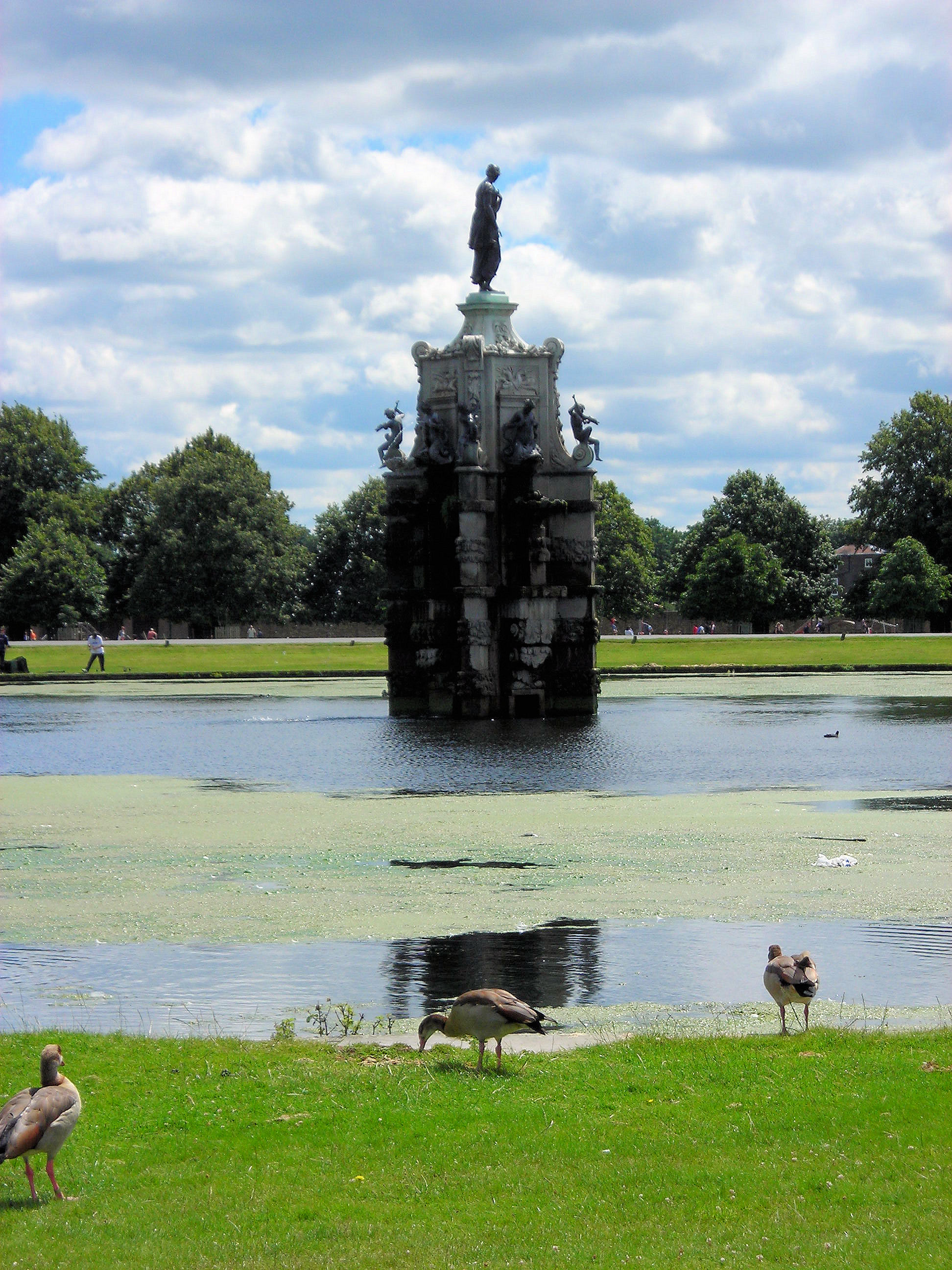 Filethe Arethusa Diana Fountain Bushy Park Surrey