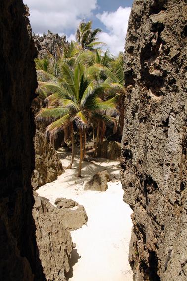 File:Togo chasm 01.jpg