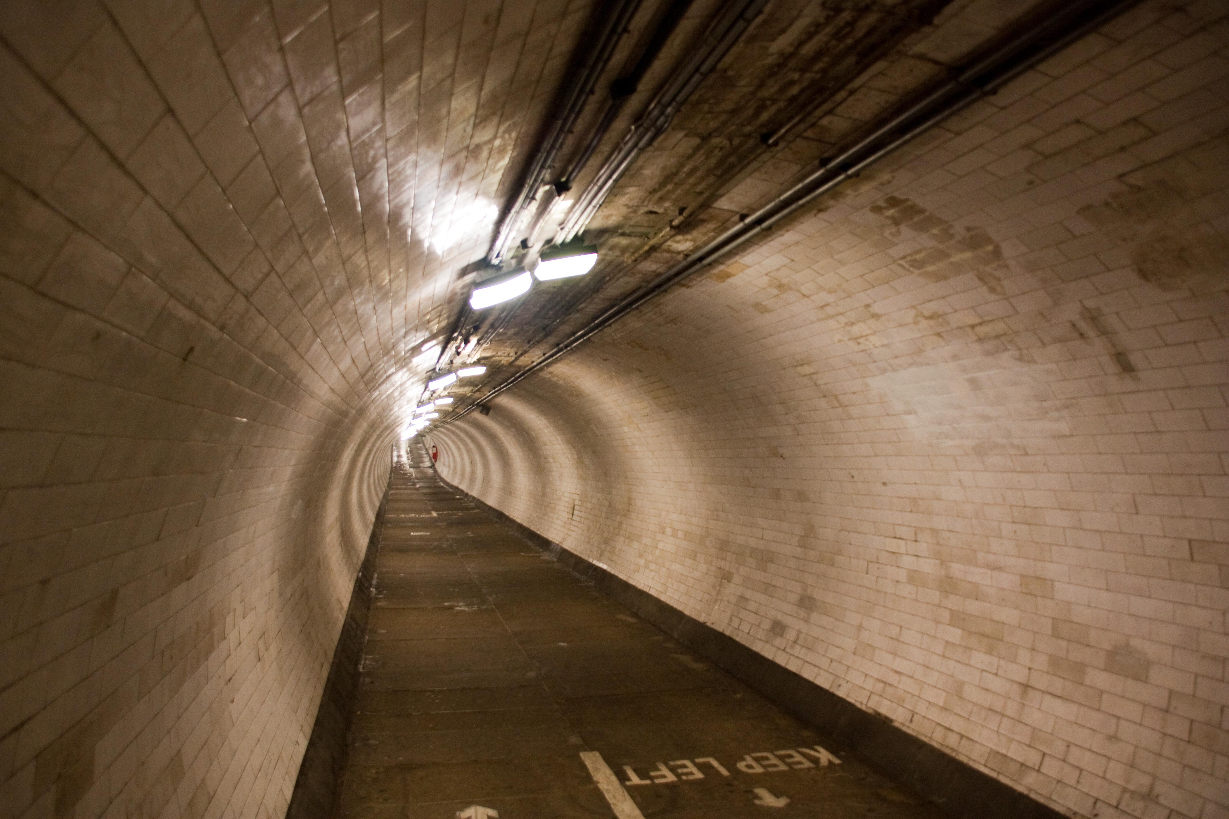 File:Tunnel-Pieton-Greenwich IMG 7874 jpg - Wikimedia Commons