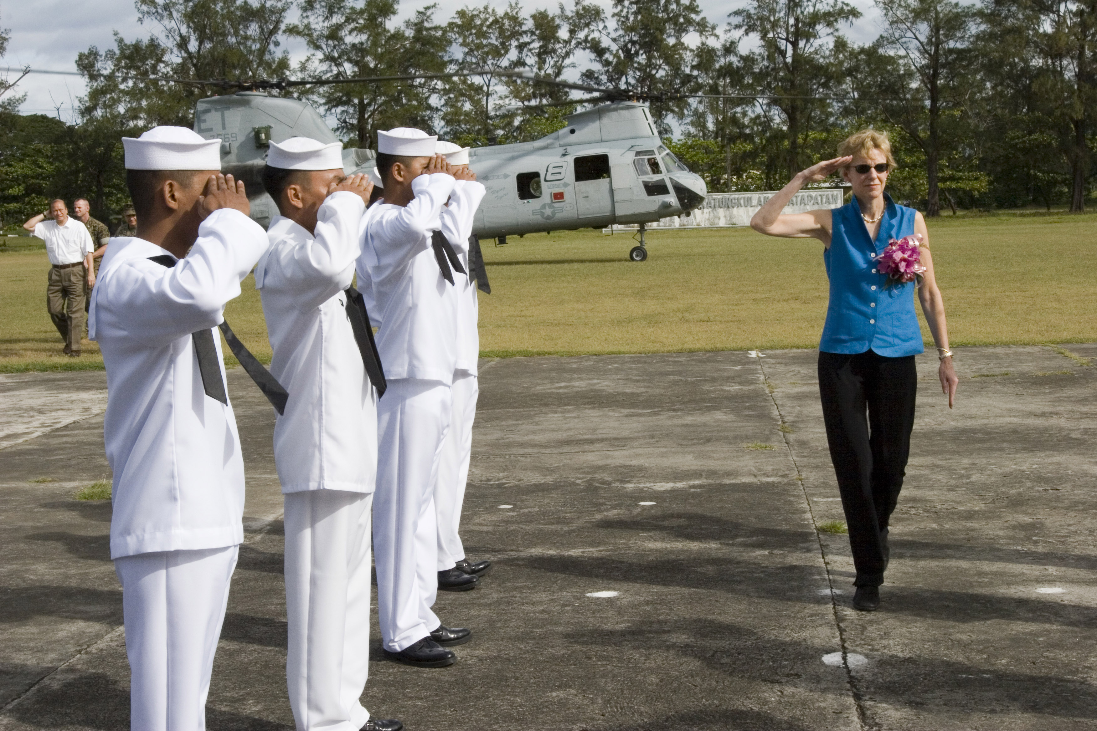 File:US Navy 061027-M-0049M-047 U.S. Ambassador to the Philippines ...